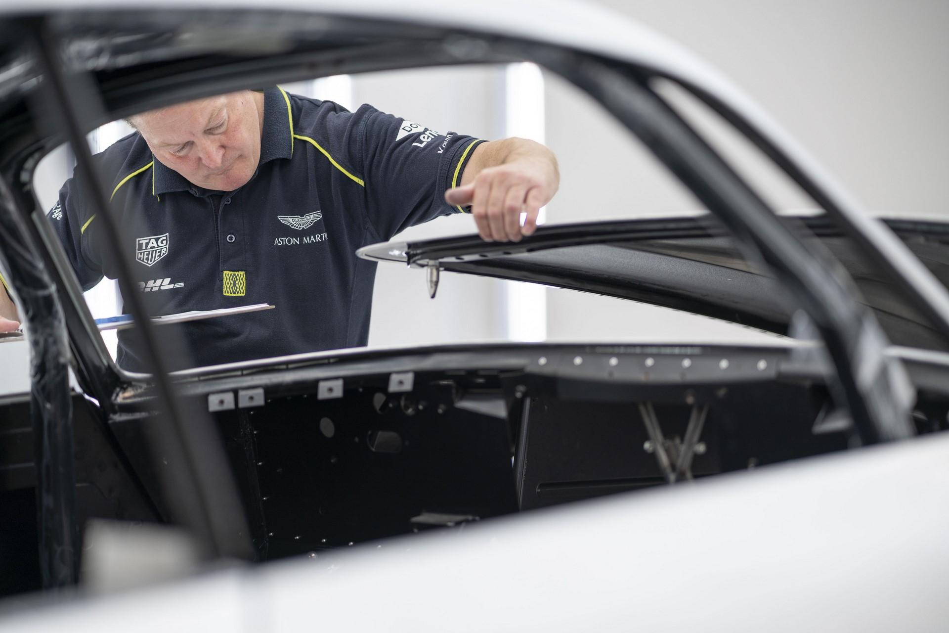 Aston-Martin-DB4GT-Zagato-Build_Newport-Pagnell_18