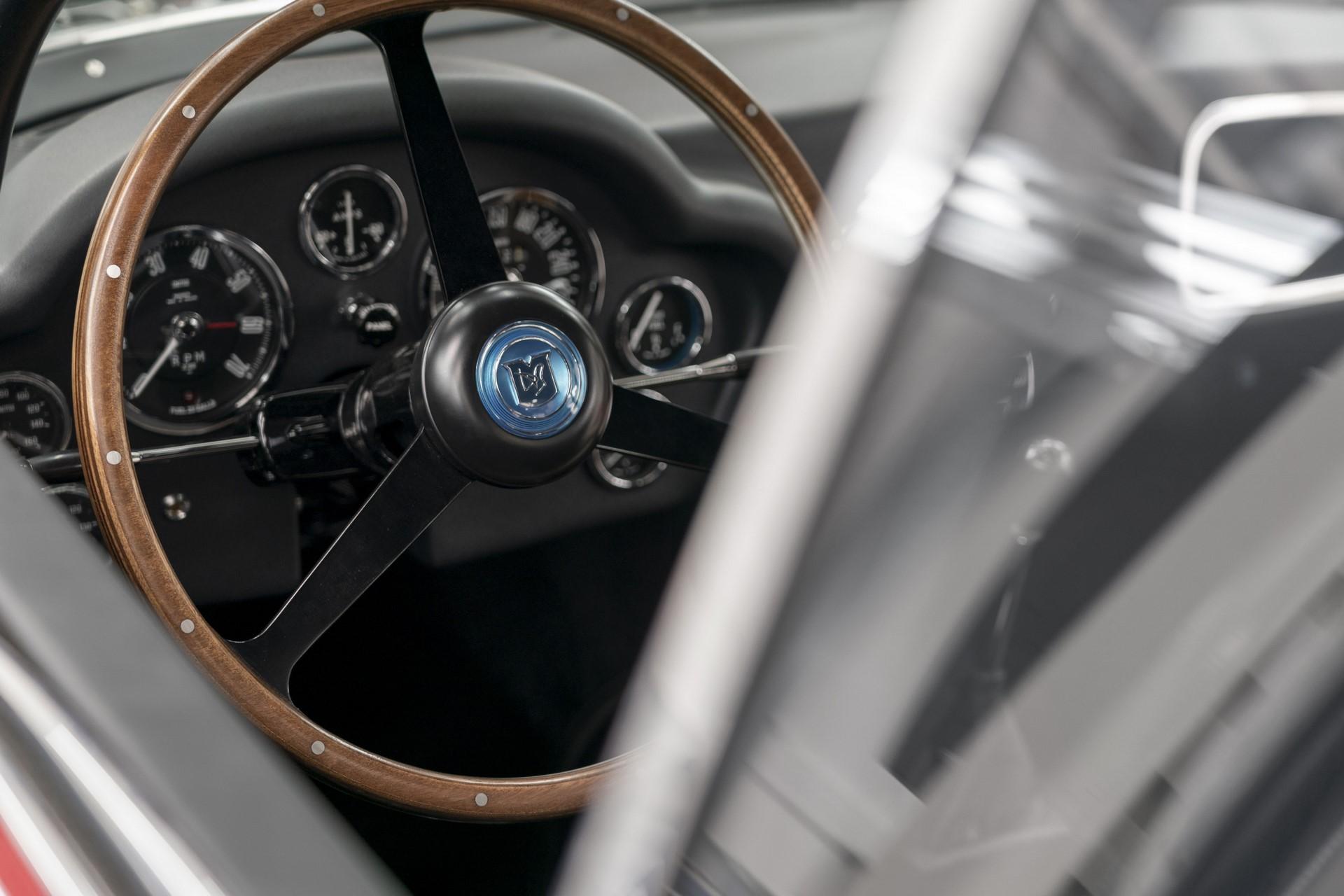 Aston-Martin-DB4GT-Zagato-Build_Newport-Pagnell_21