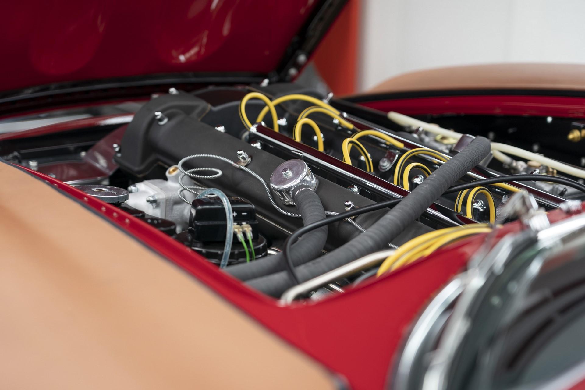 Aston-Martin-DB4GT-Zagato-Build_Newport-Pagnell_22
