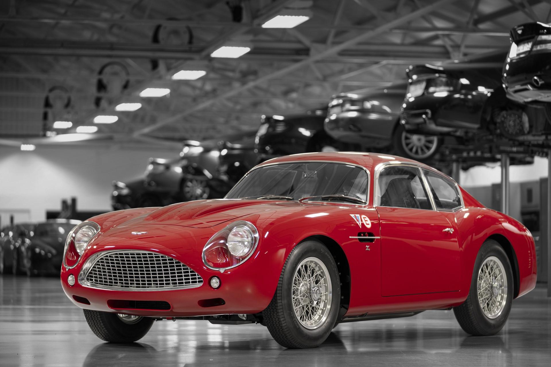 Aston-Martin-DB4-GT-Zagato-Continuation-1