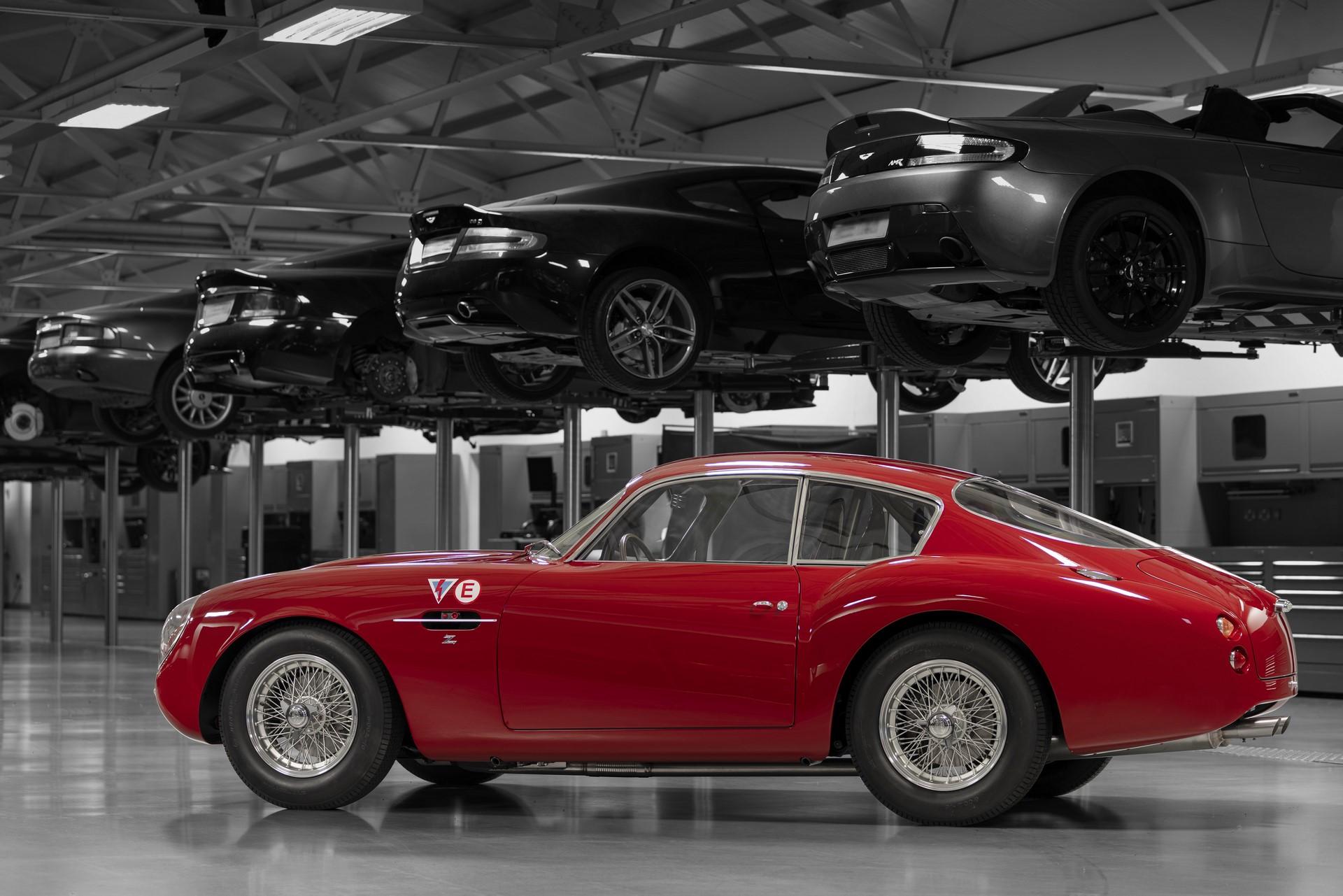 Aston-Martin-DB4-GT-Zagato-Continuation-3