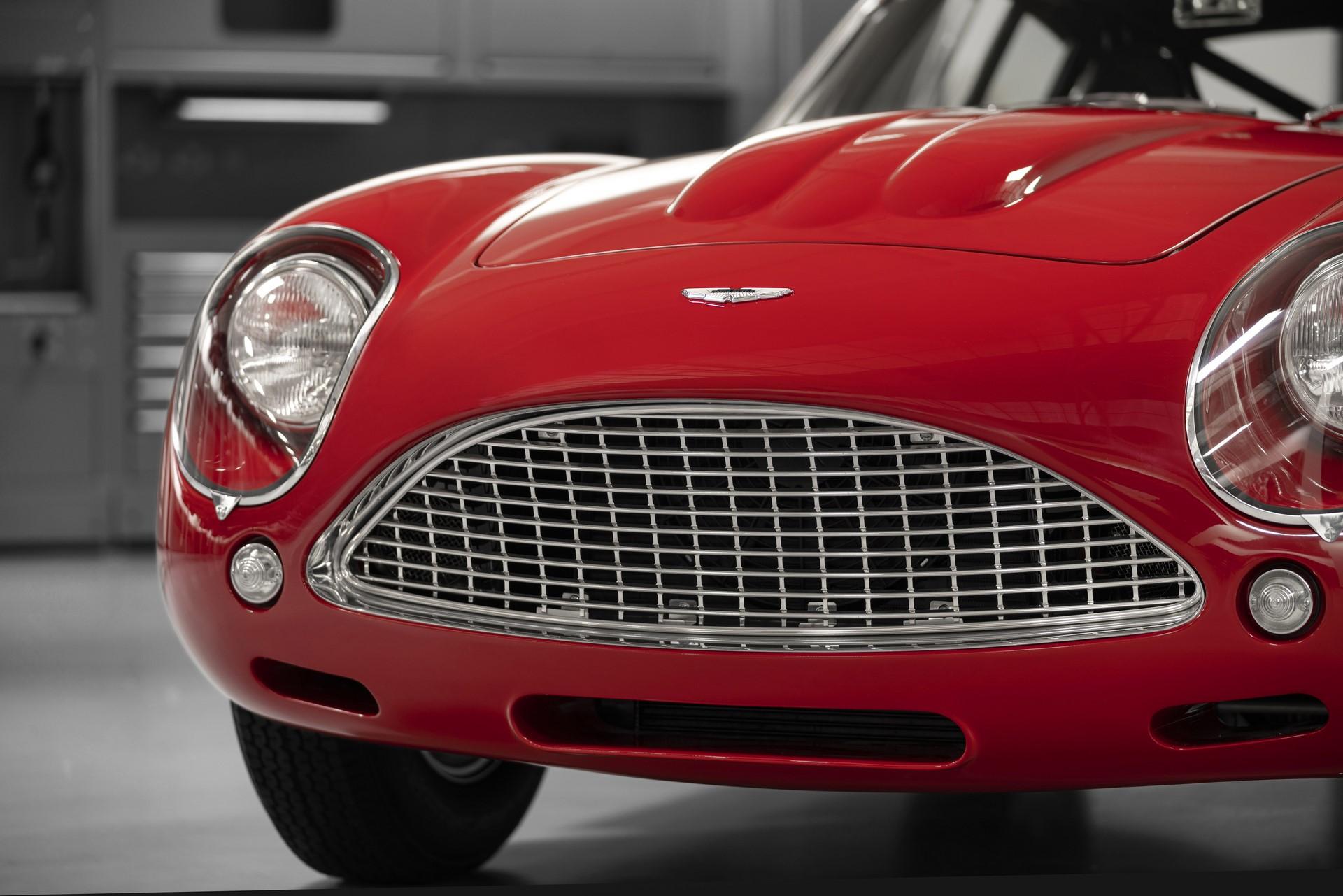 Aston-Martin-DB4-GT-Zagato-Continuation-6