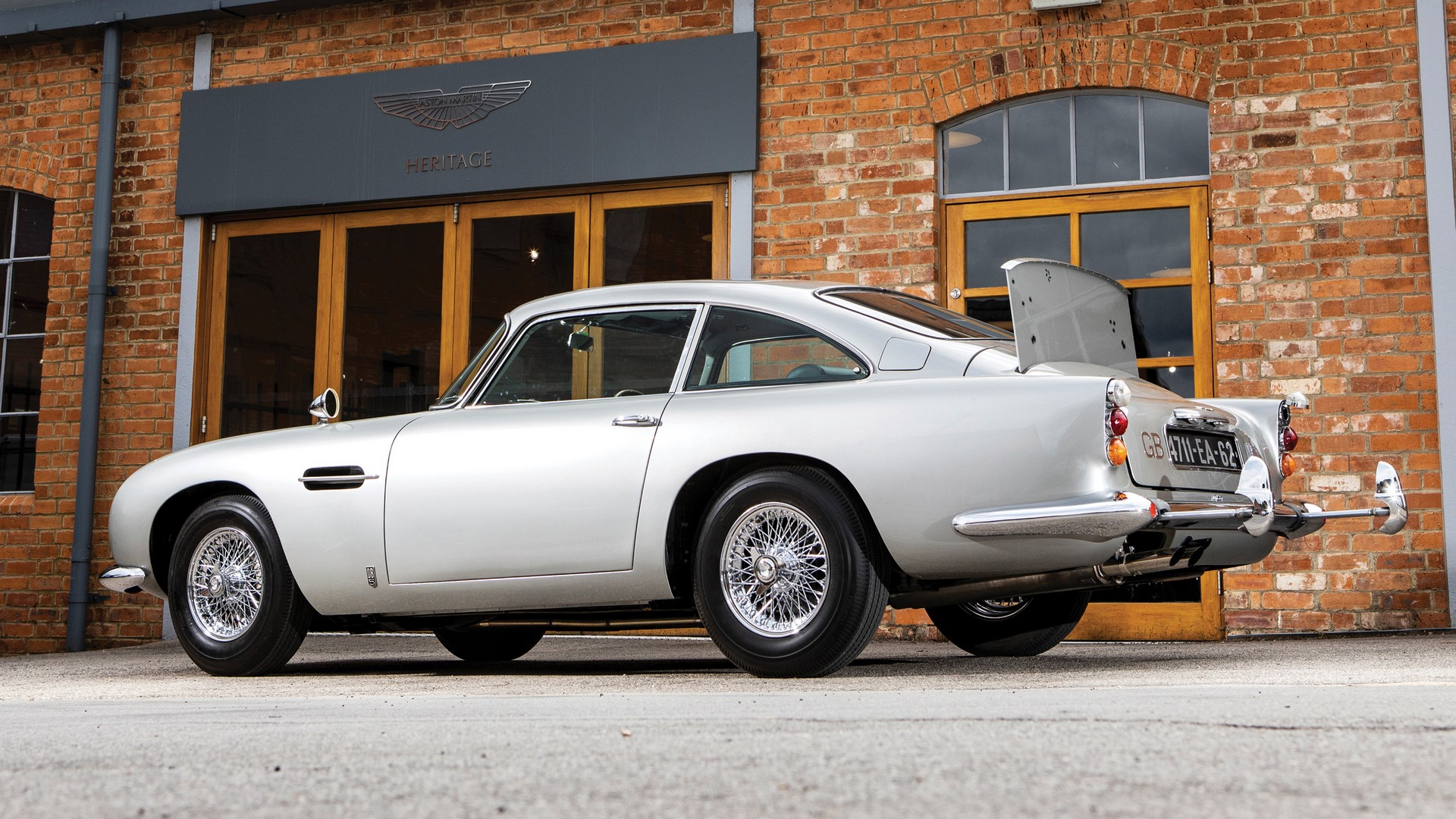1965-aston-martin-db5-goldfinger-spec-1-1