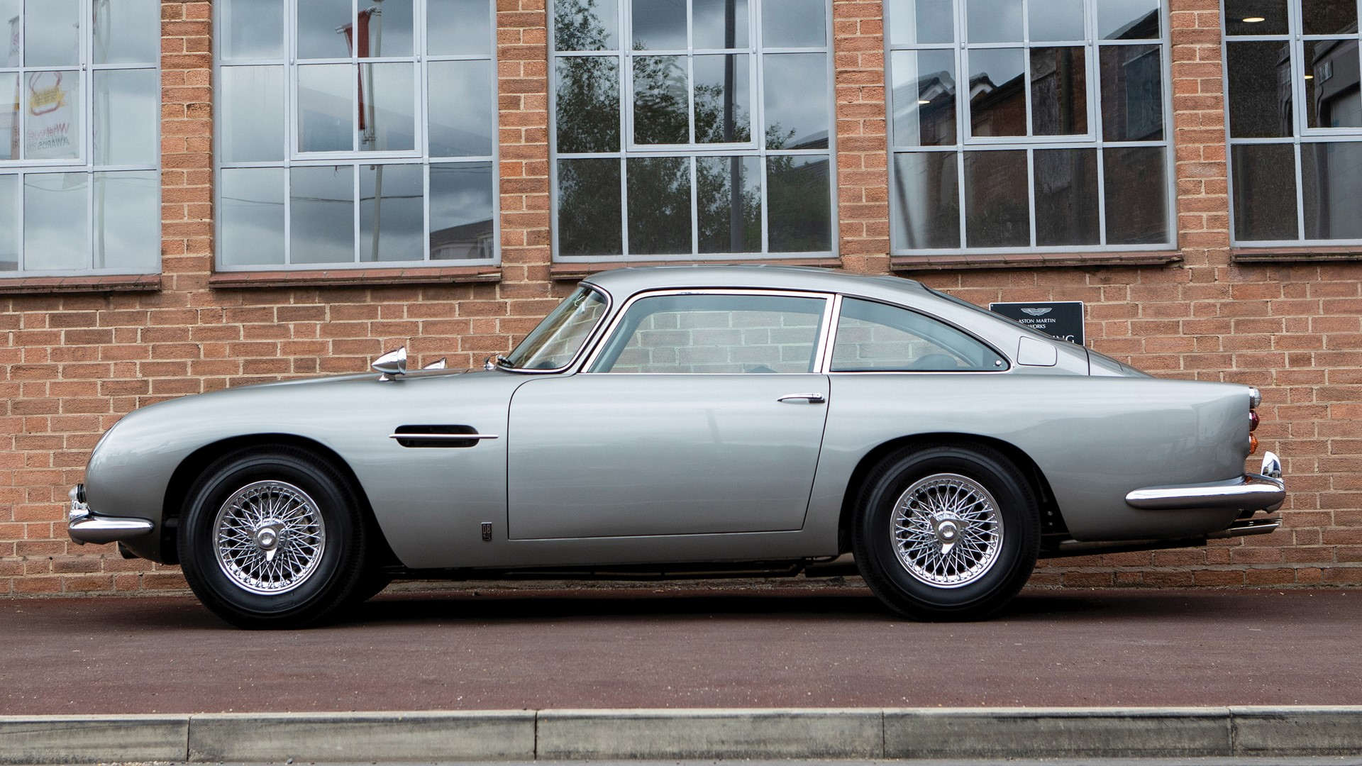 1965-aston-martin-db5-goldfinger-spec-1-3