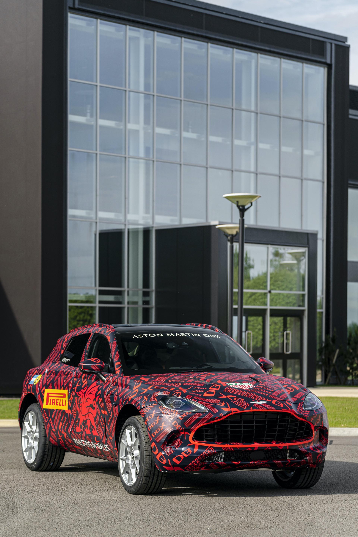 Aston-Martin-DBX_St-Athan_04