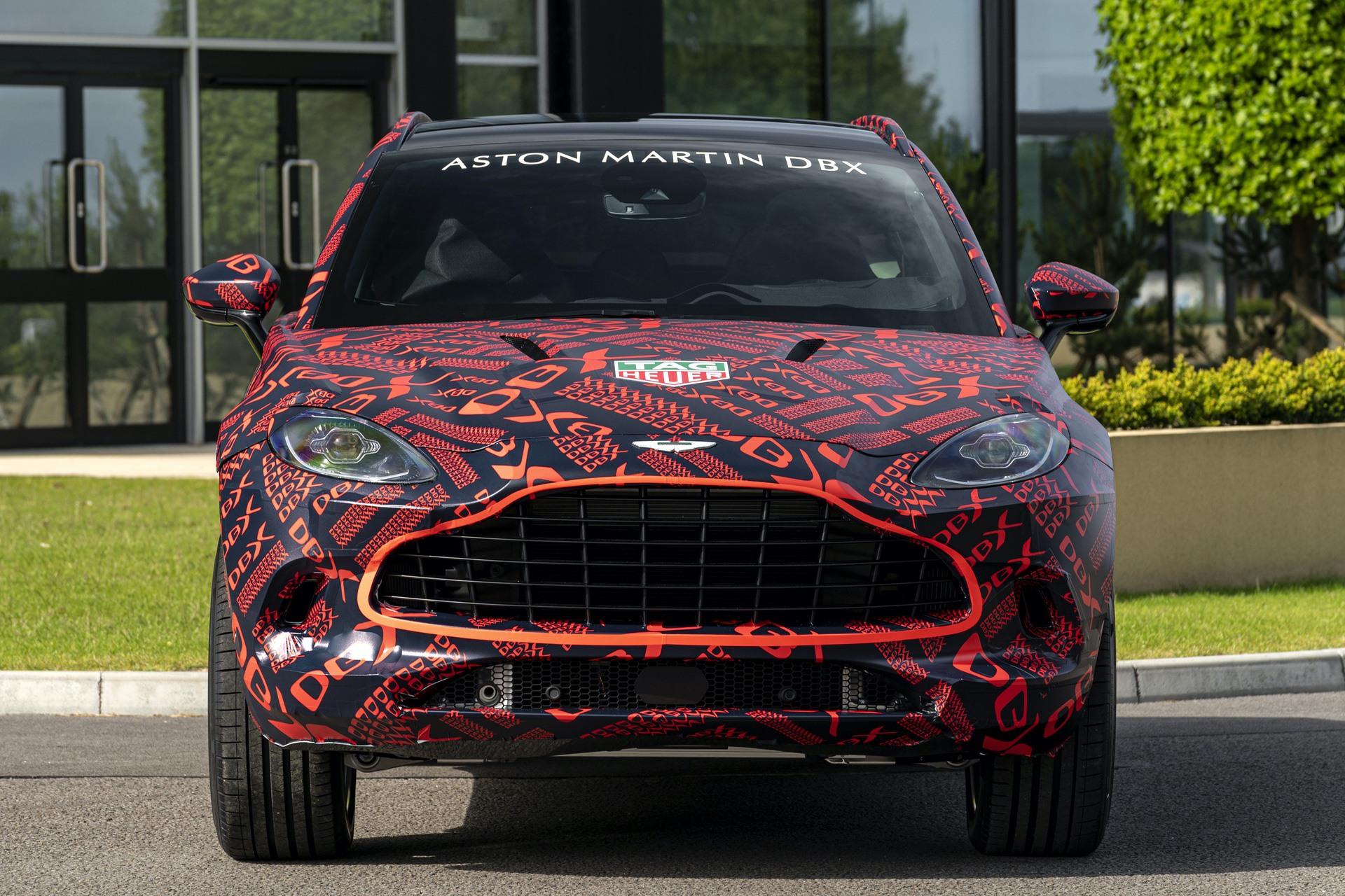 Aston-Martin-DBX_St-Athan_06