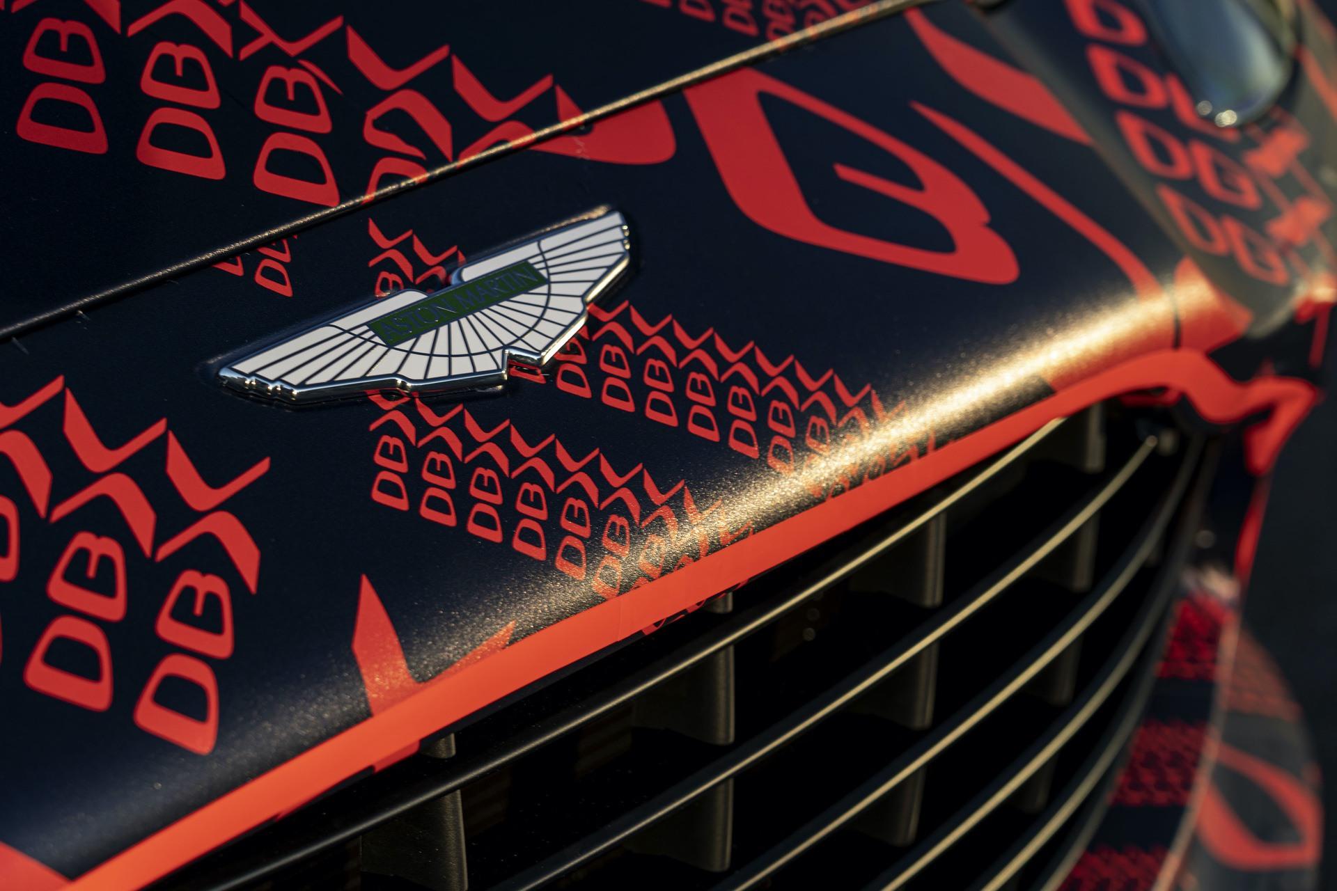 Aston-Martin-DBX_St-Athan_07