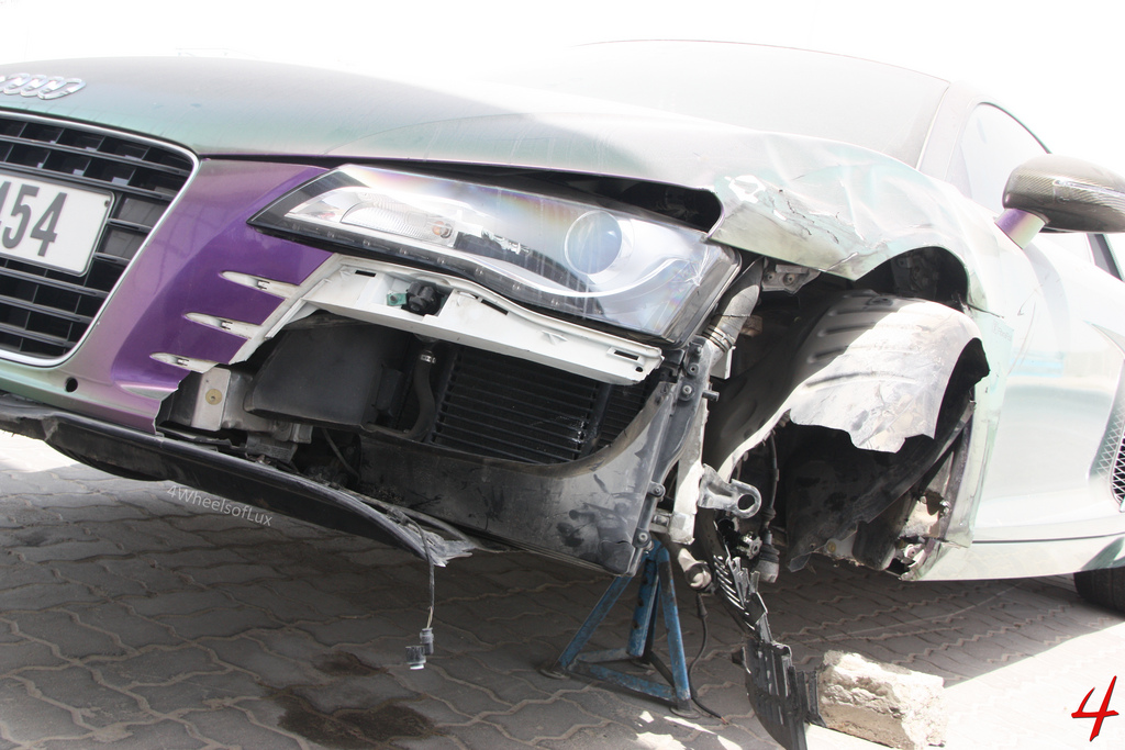 0bb7e6c7417944 Index of  wp-content gallery audi-r8-crashed-in-dubai