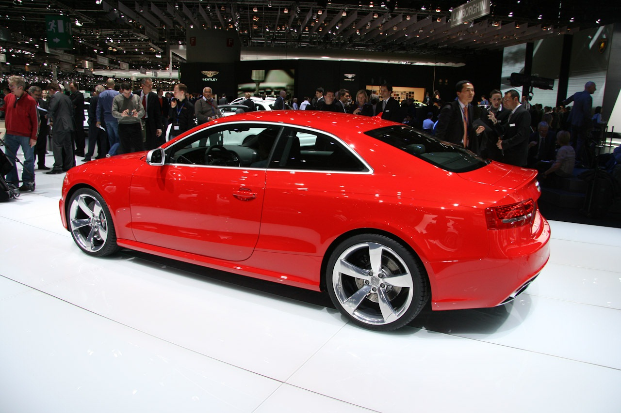 2010 audi rs5 related infomation specifications weili. Black Bedroom Furniture Sets. Home Design Ideas