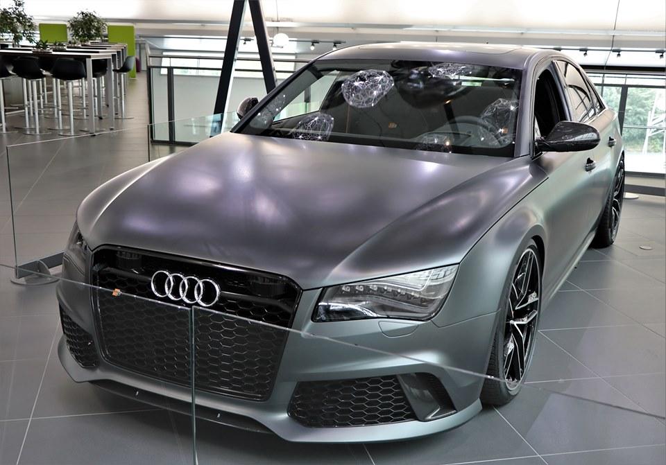 Audi-RS8-1