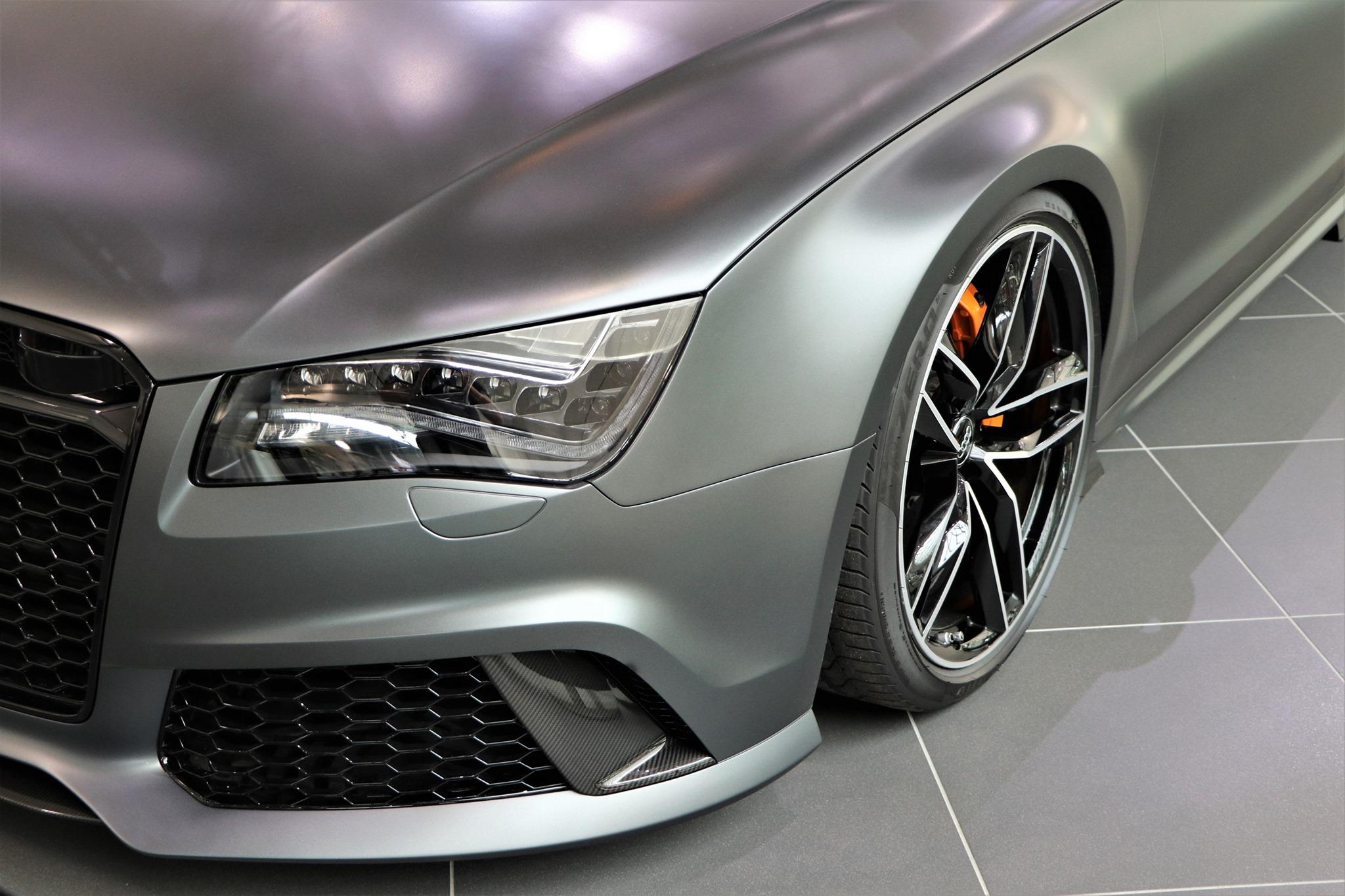 Audi-RS8-2