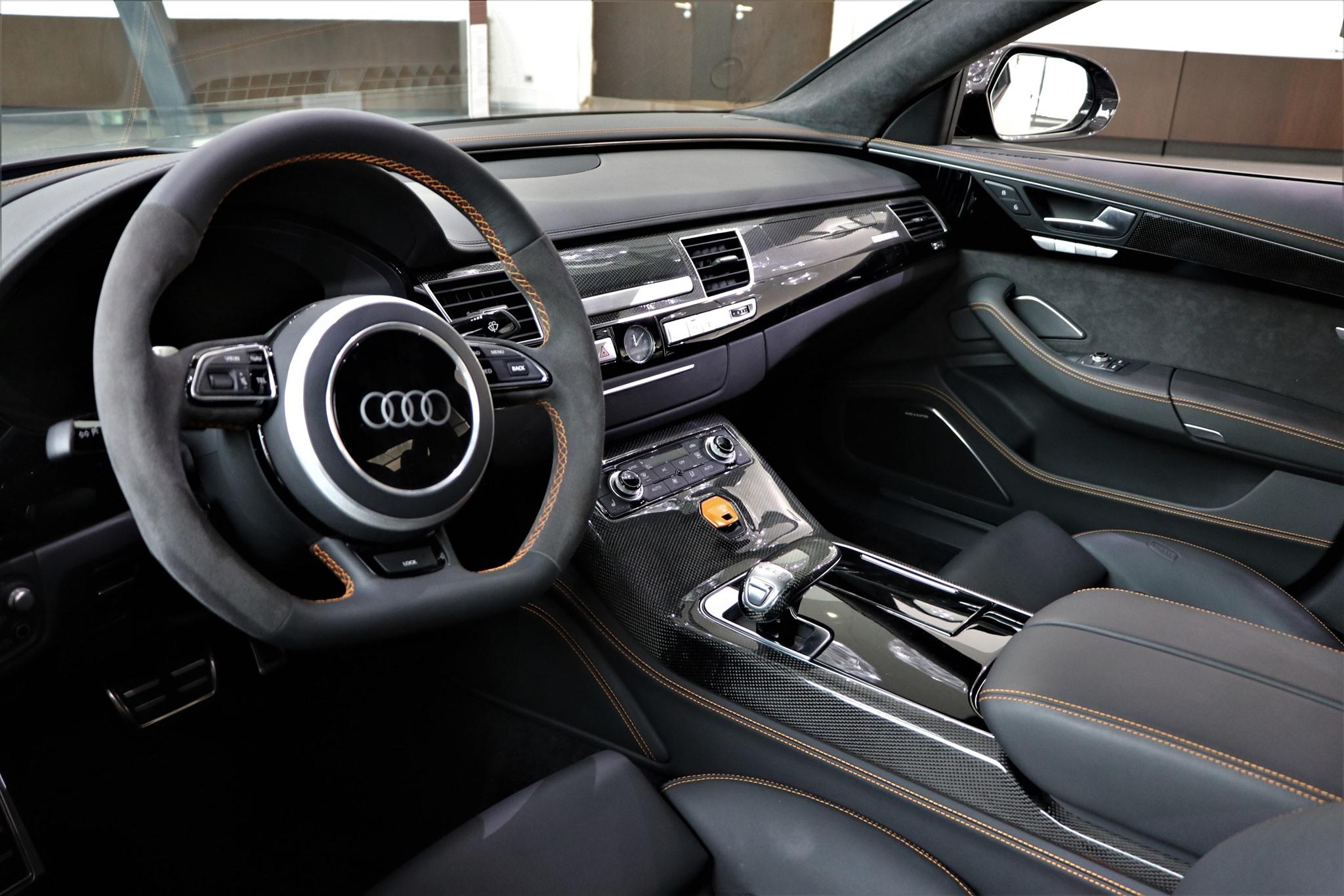 Audi-RS8-4