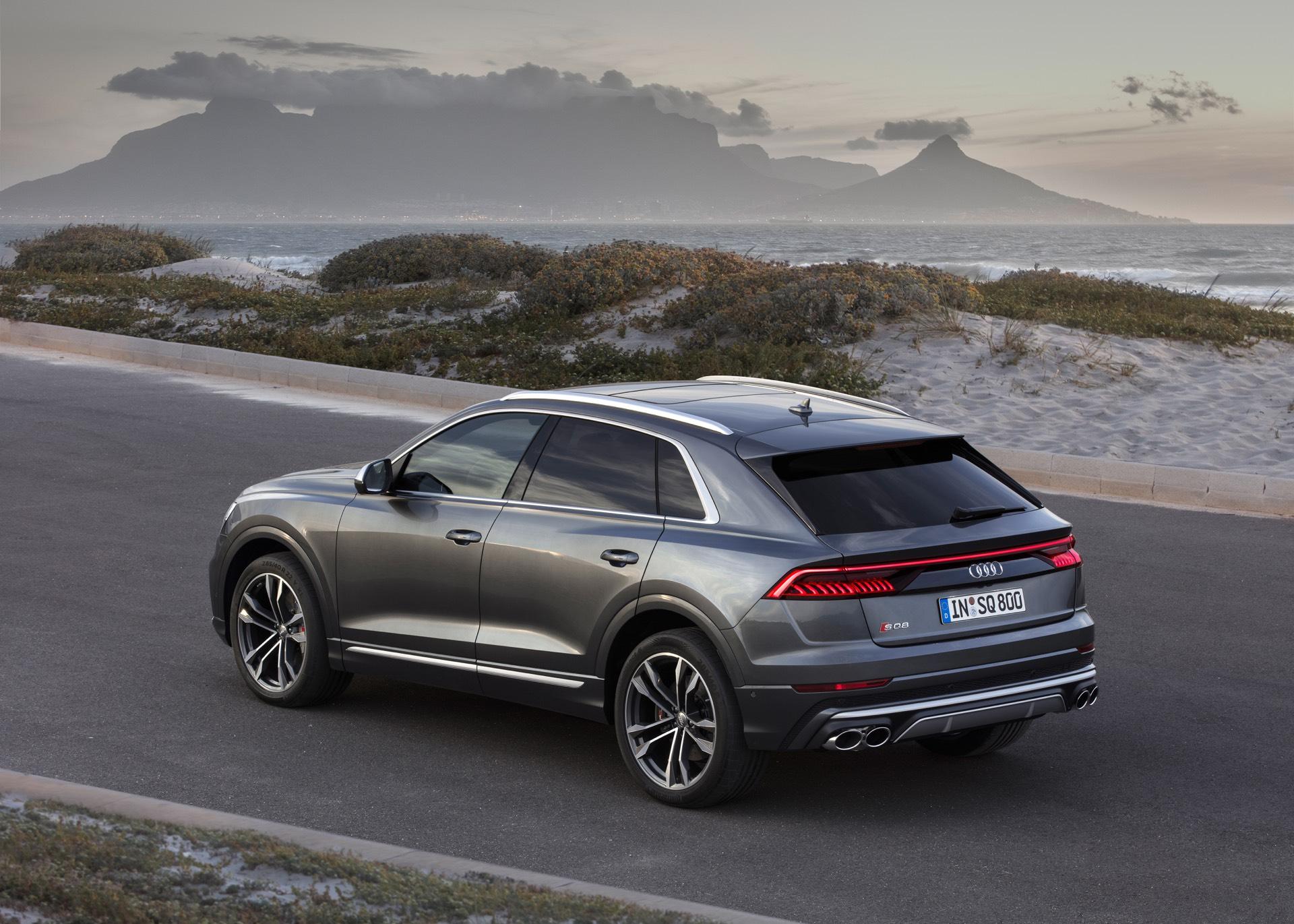 Audi-SQ8-TDI-2019-11