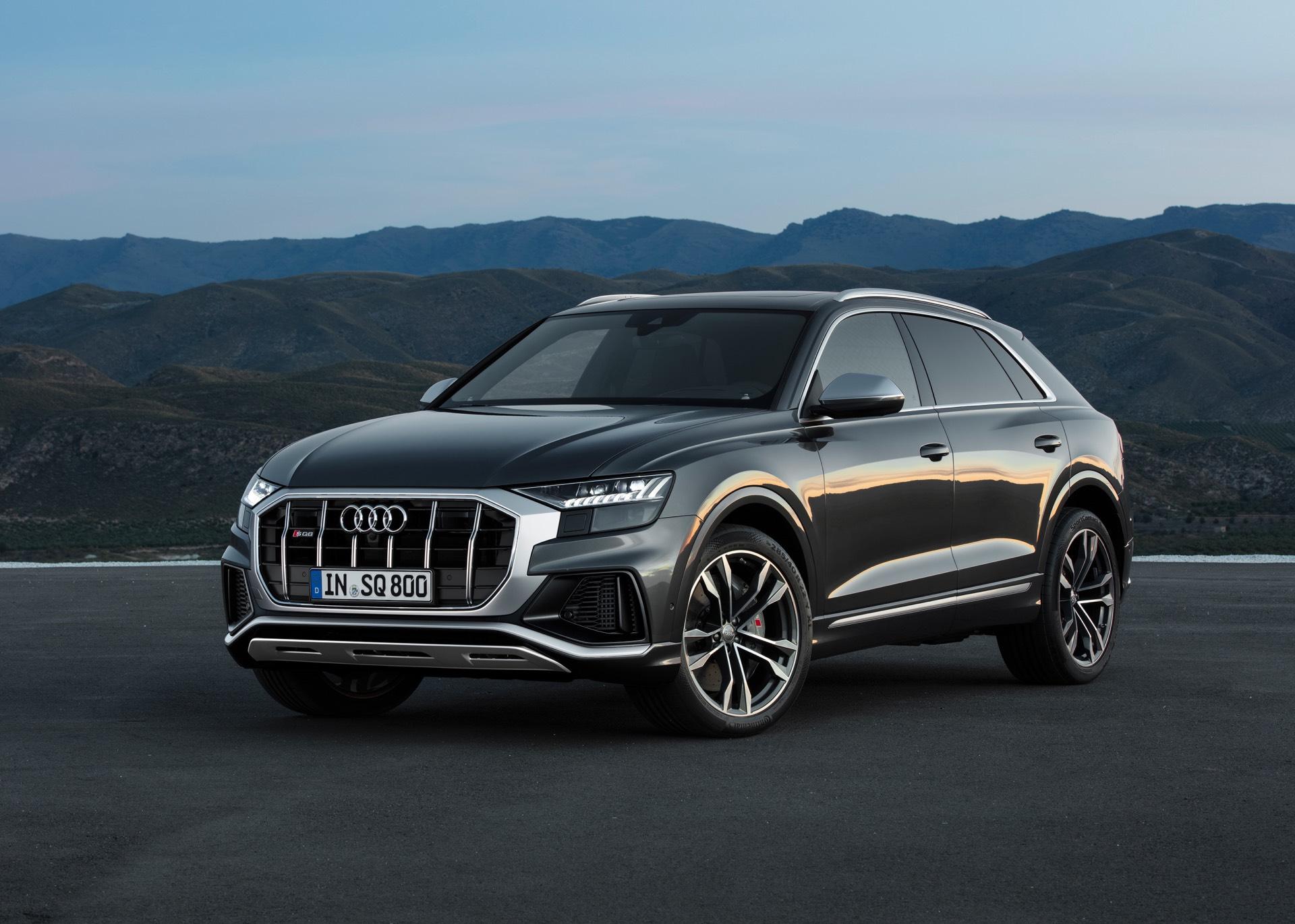 Audi-SQ8-TDI-2019-12