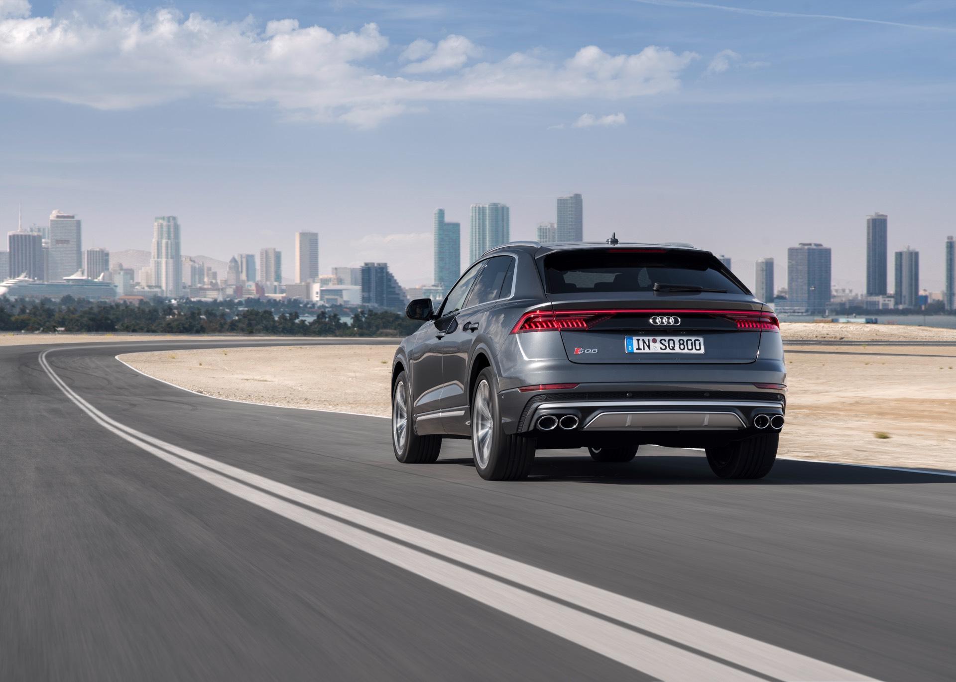 Audi-SQ8-TDI-2019-16