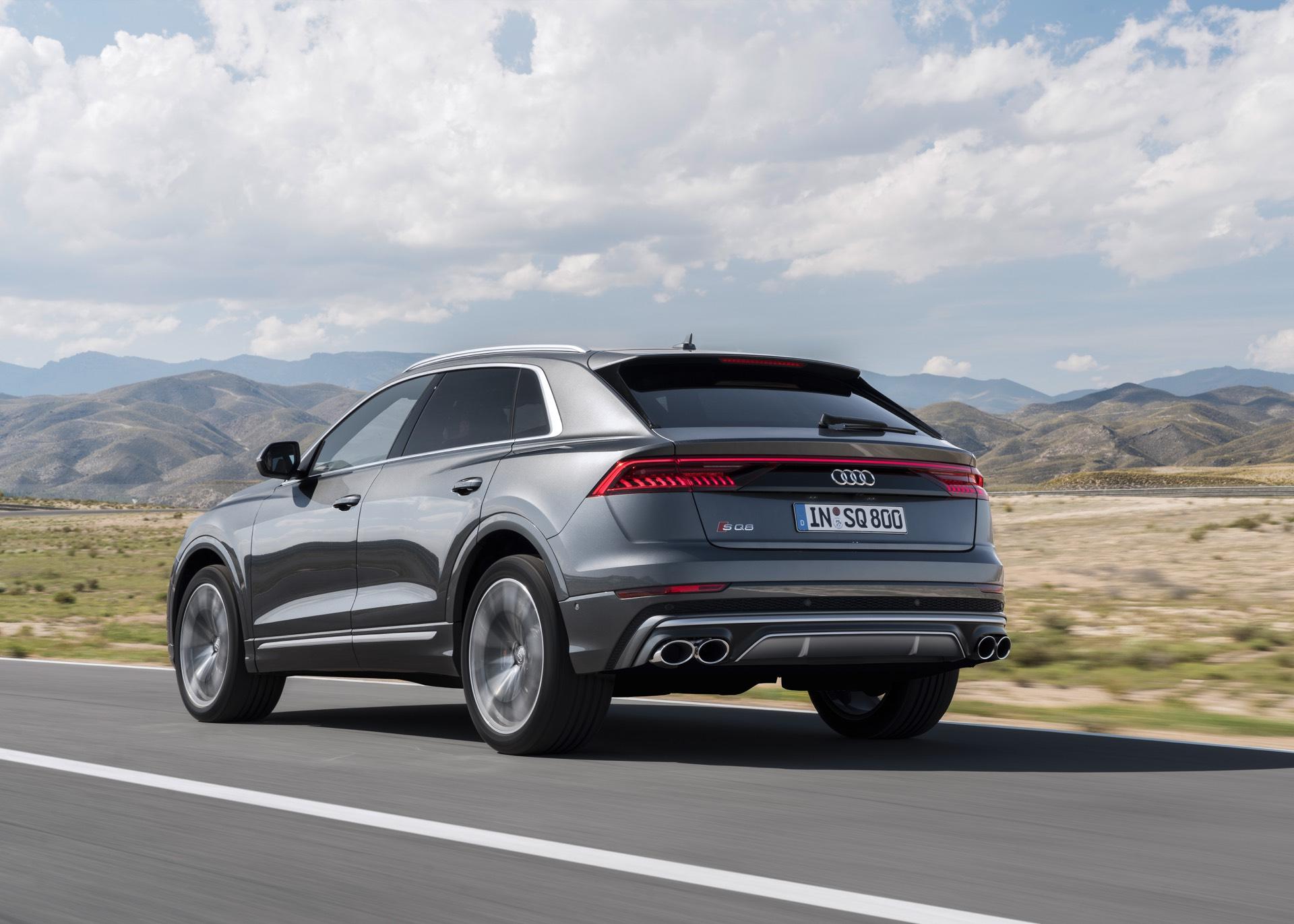 Audi-SQ8-TDI-2019-17