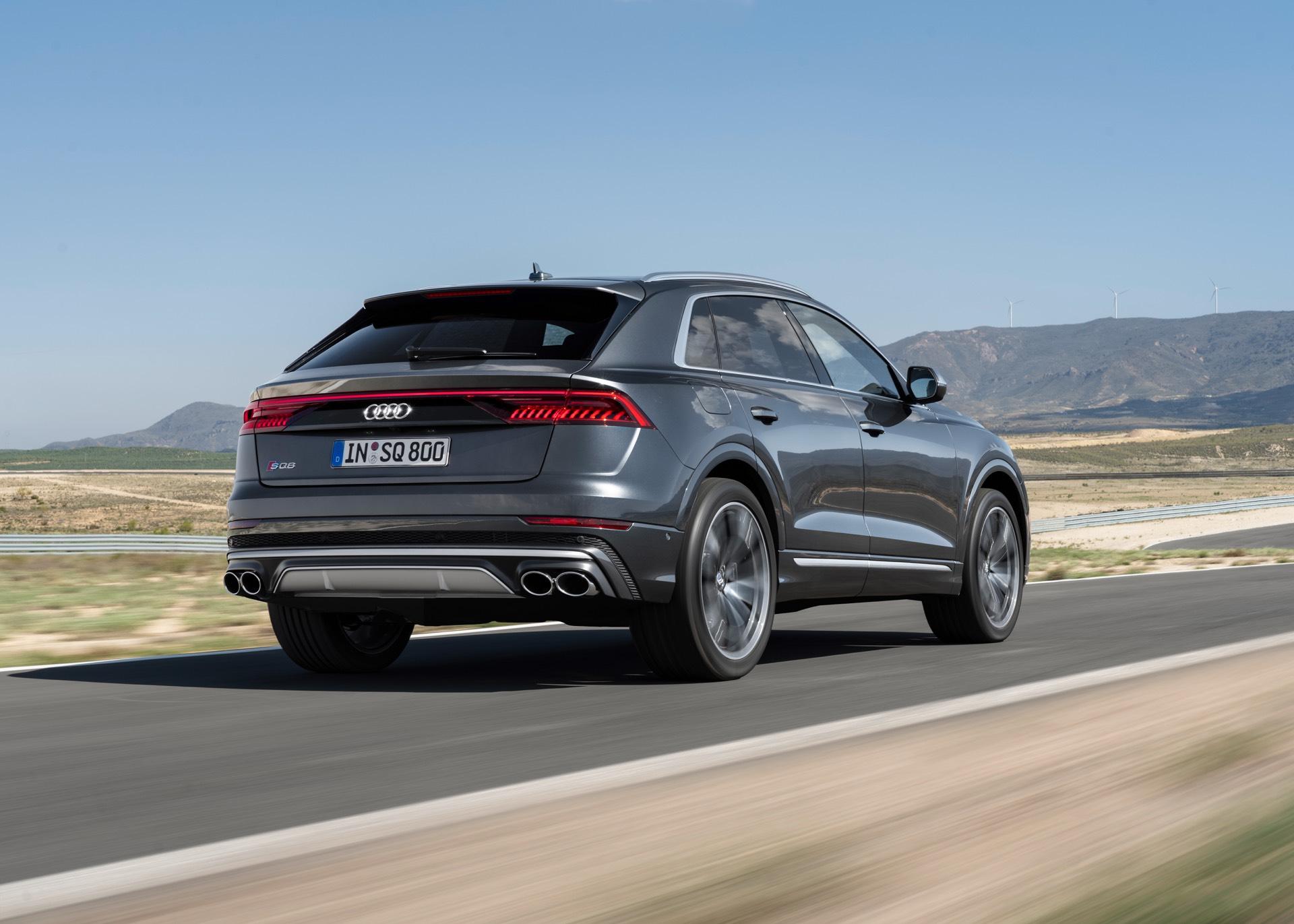 Audi-SQ8-TDI-2019-18