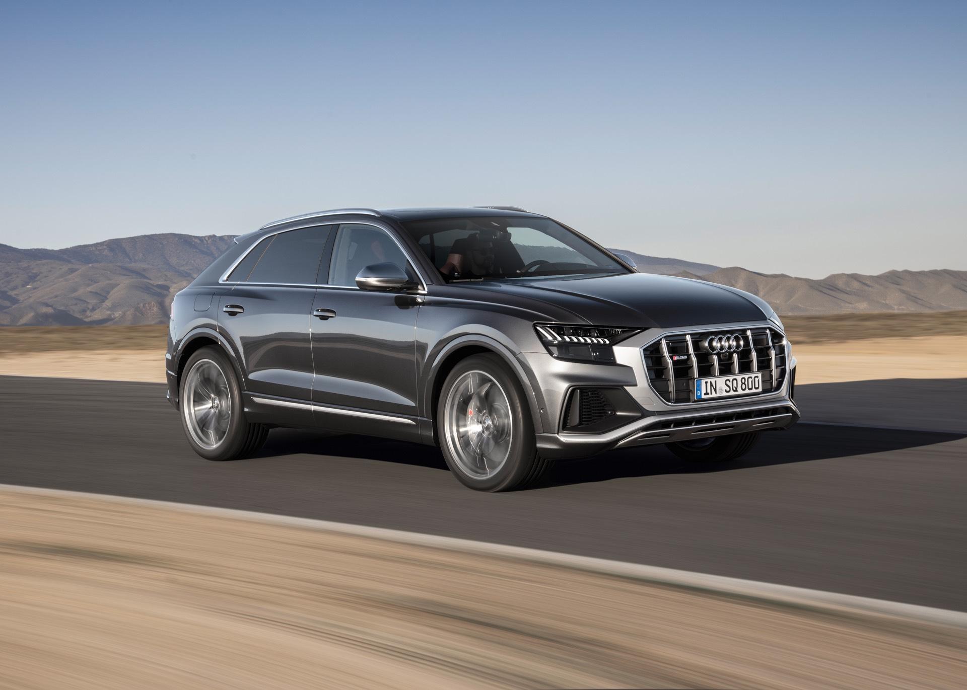 Audi-SQ8-TDI-2019-22