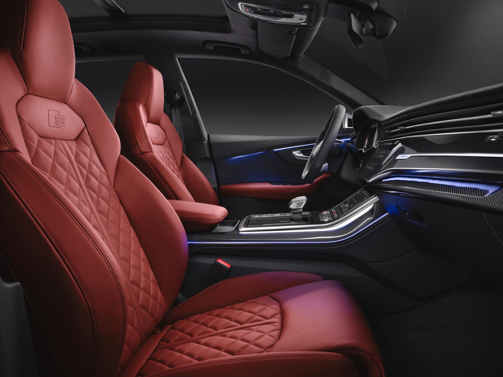 Audi-SQ8-TDI-2019-24
