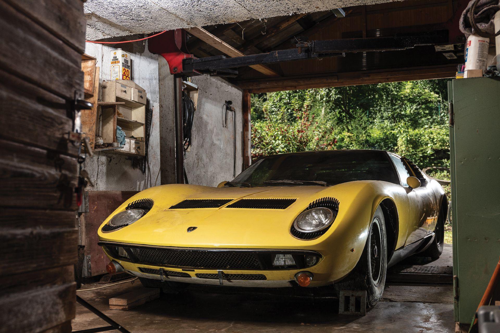 Barnfind_Lamborghini_Miura_P400S_0000