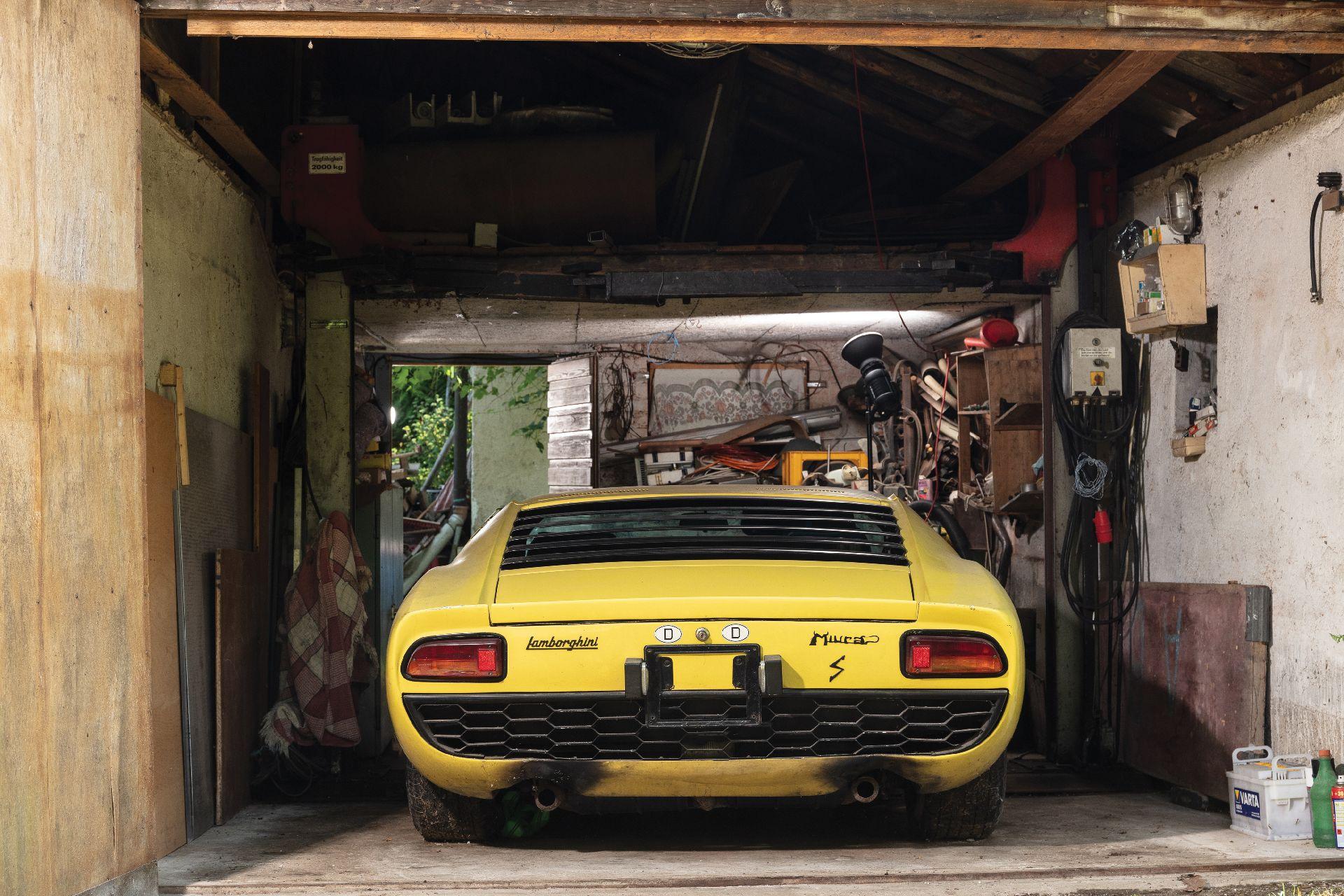 Barnfind_Lamborghini_Miura_P400S_0002