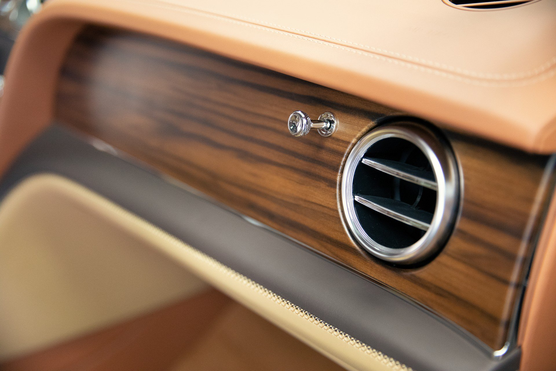 Bentley_Bentayga_Stetson_Edition_0008