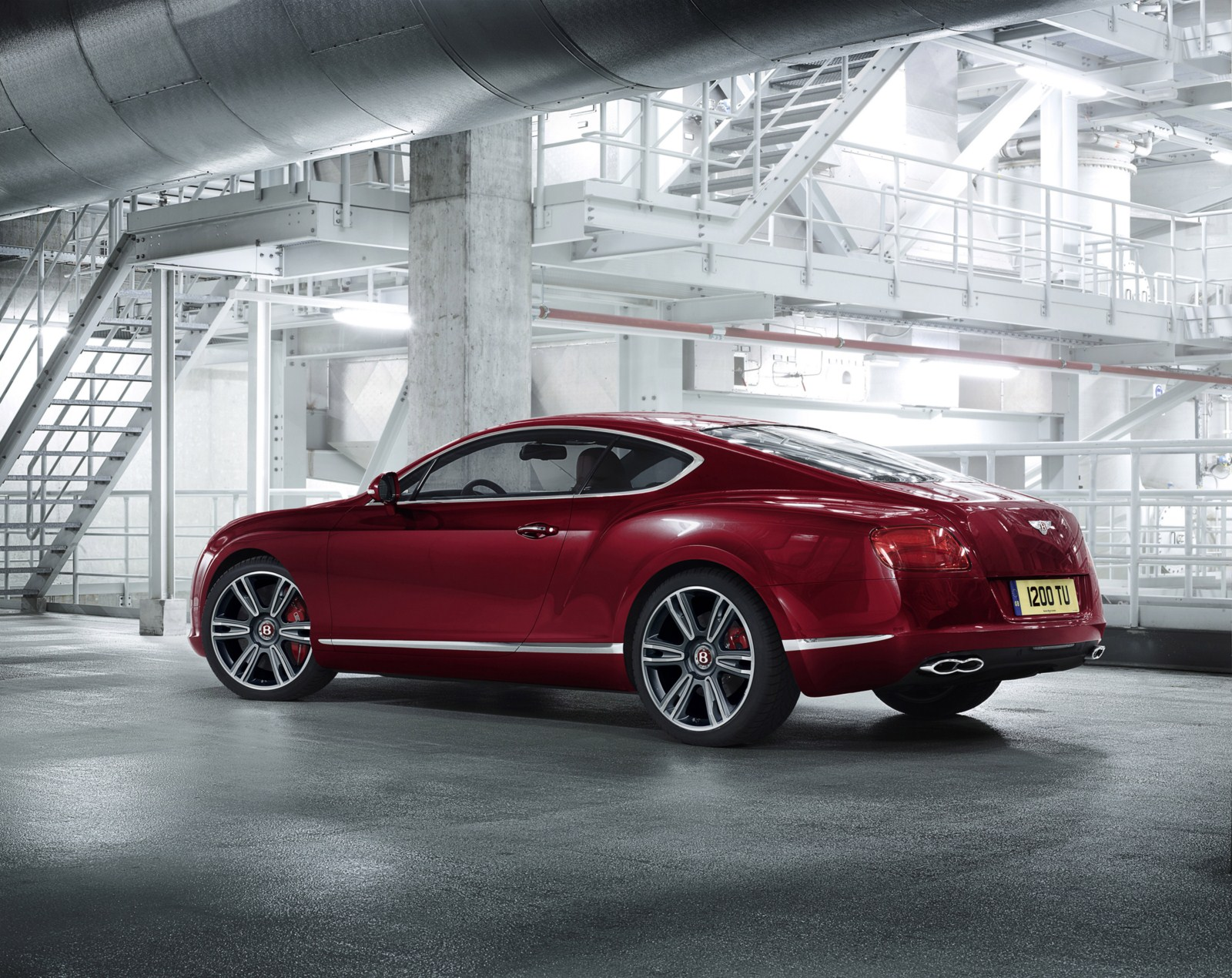 http://www.autoblog.gr/wp-content/gallery/bentley-continental-gt-and-gtc-v8-live-in-geneva-2012/bentley-continental-gt-v8-13.jpg