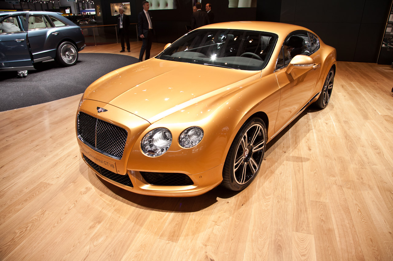 http://www.autoblog.gr/wp-content/gallery/bentley-continental-gt-and-gtc-v8-live-in-geneva-2012/bentley-continental-gt-v8-live-in-geneva-2012-1.jpg