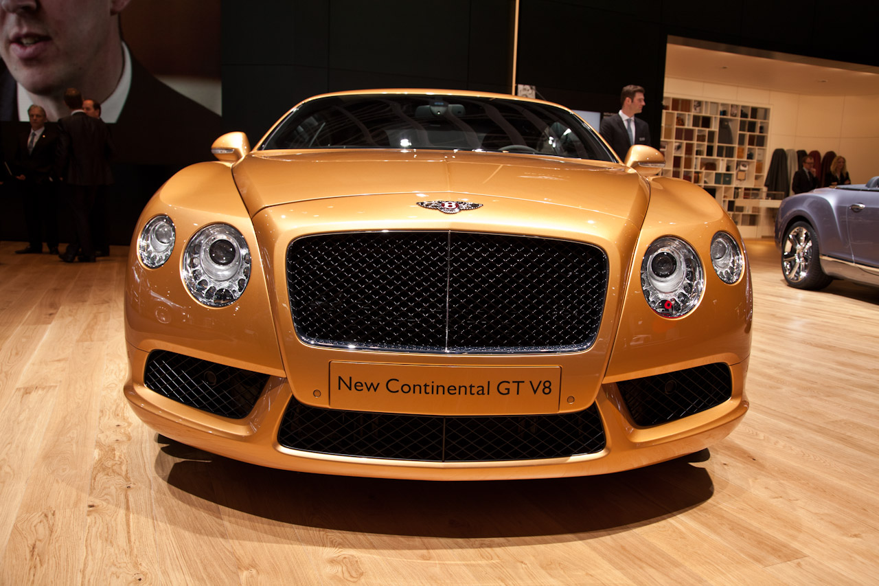 http://www.autoblog.gr/wp-content/gallery/bentley-continental-gt-and-gtc-v8-live-in-geneva-2012/bentley-continental-gt-v8-live-in-geneva-2012-3.jpg