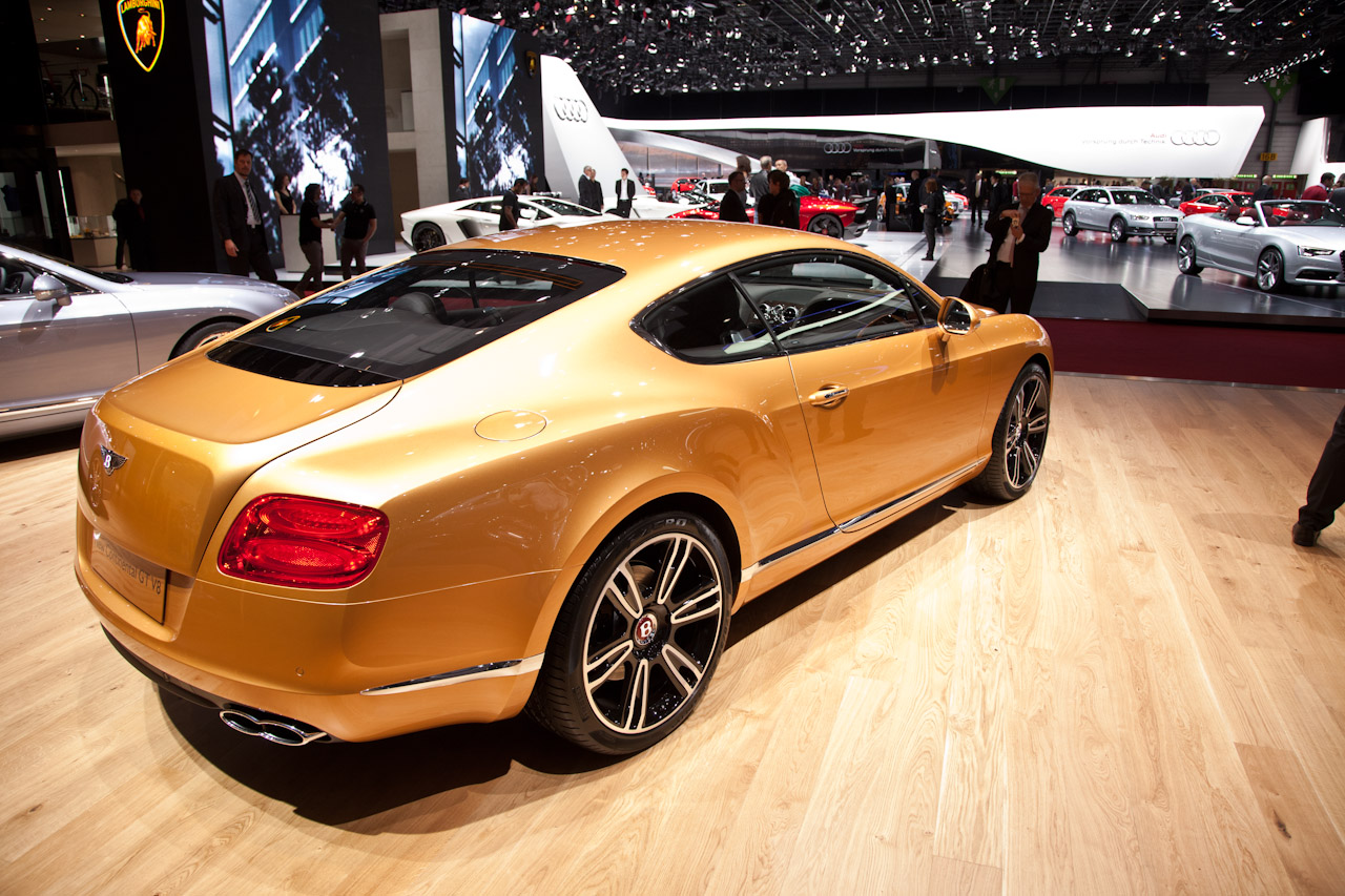 http://www.autoblog.gr/wp-content/gallery/bentley-continental-gt-and-gtc-v8-live-in-geneva-2012/bentley-continental-gt-v8-live-in-geneva-2012-4.jpg