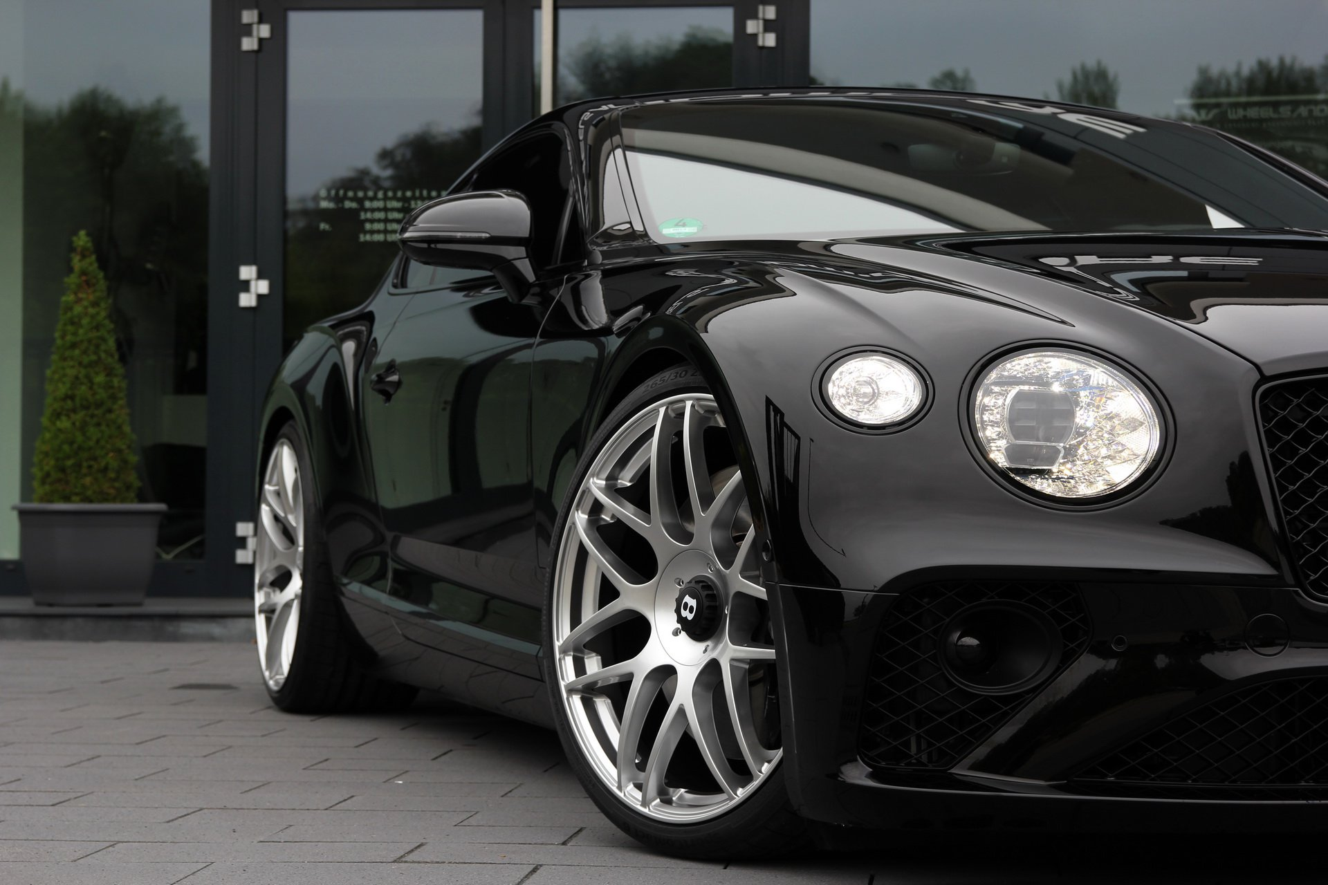 Bentley_Continental_GT_by_Wheelsandmore_0008
