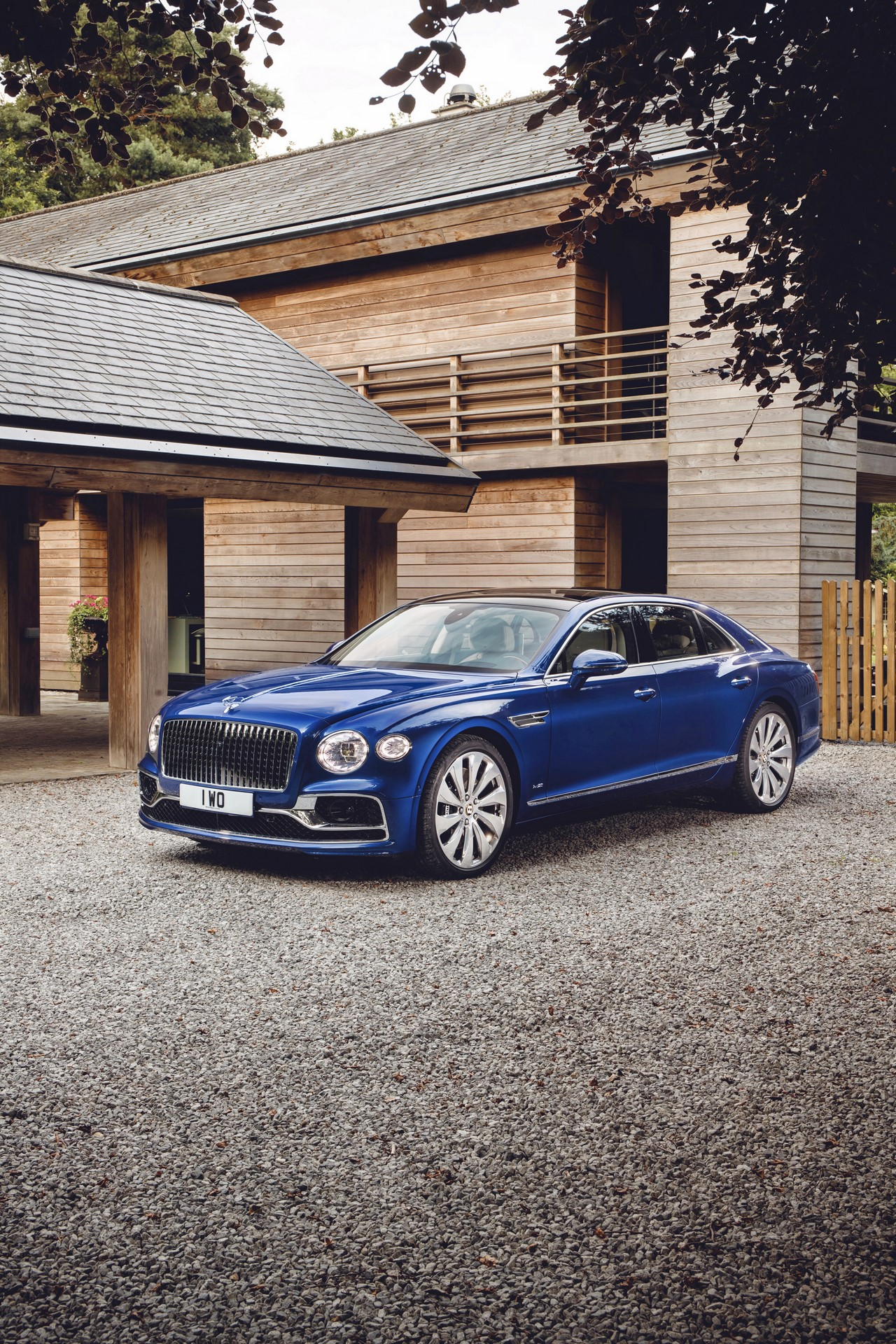 Bentley-Flying-Spur-First-Edition-2