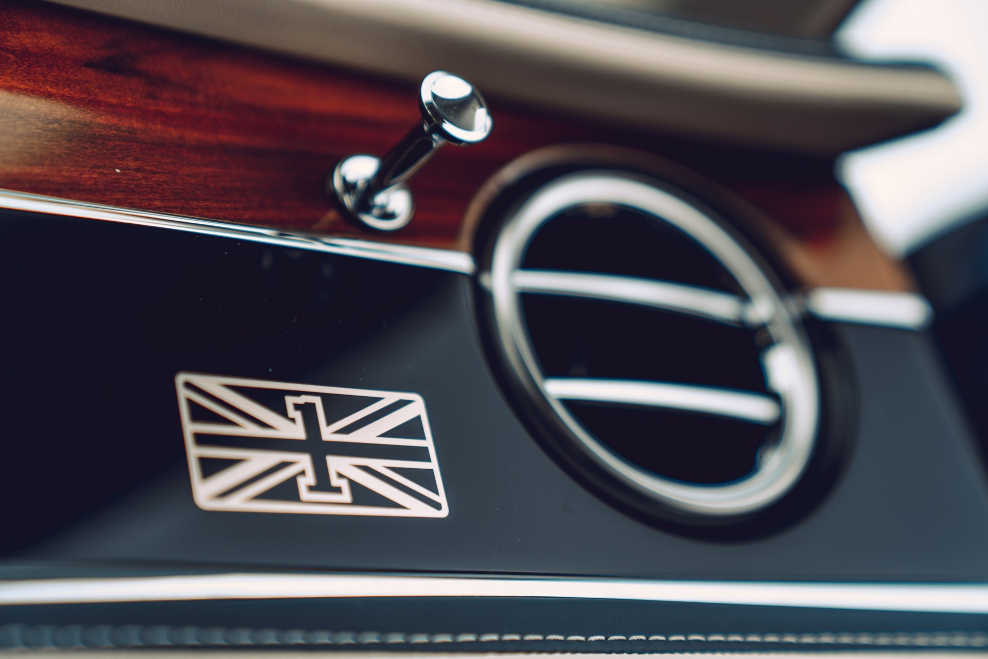 Bentley-Flying-Spur-First-Edition-9