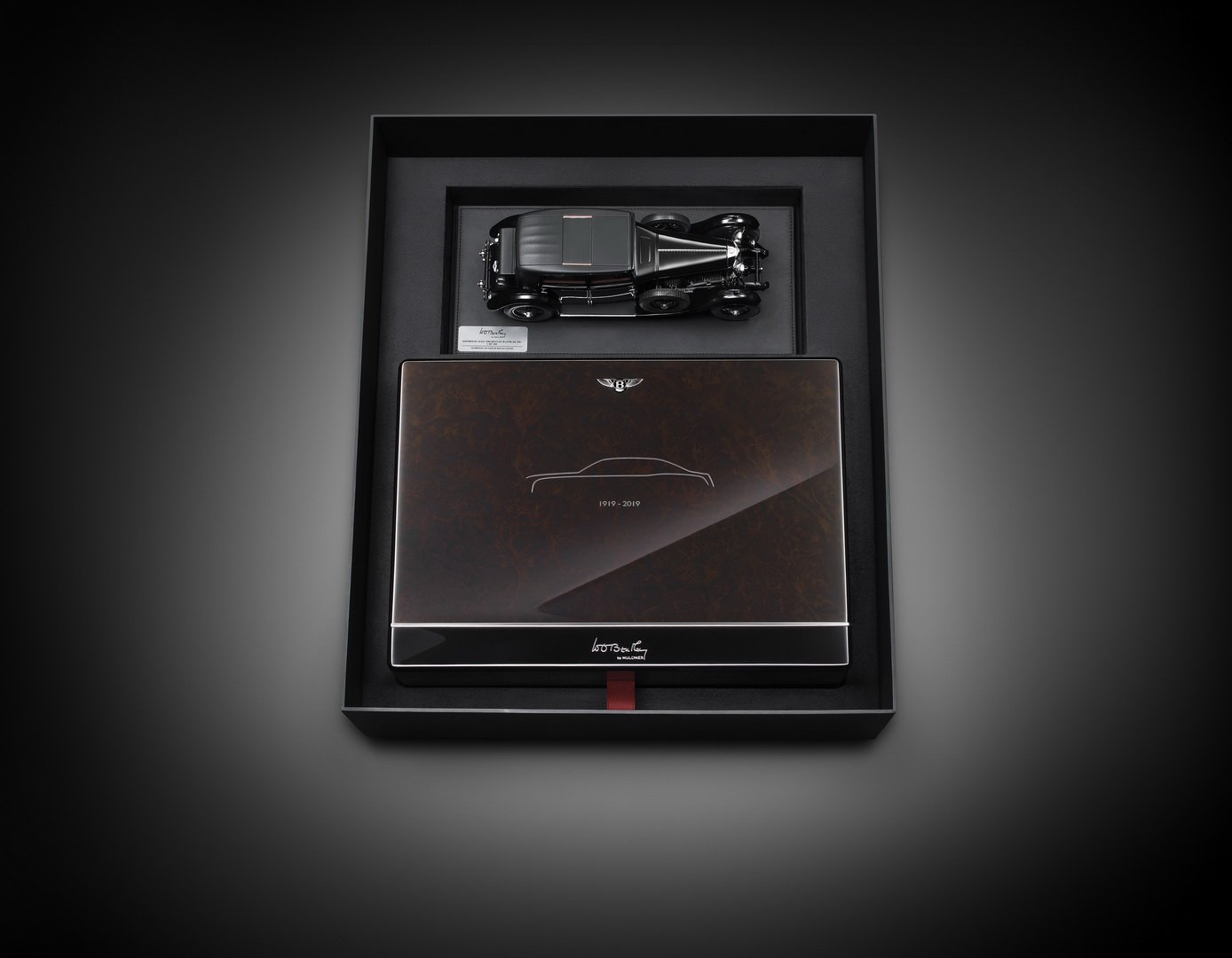 df590e02-bentley-mulsanne-commemorative-case-1