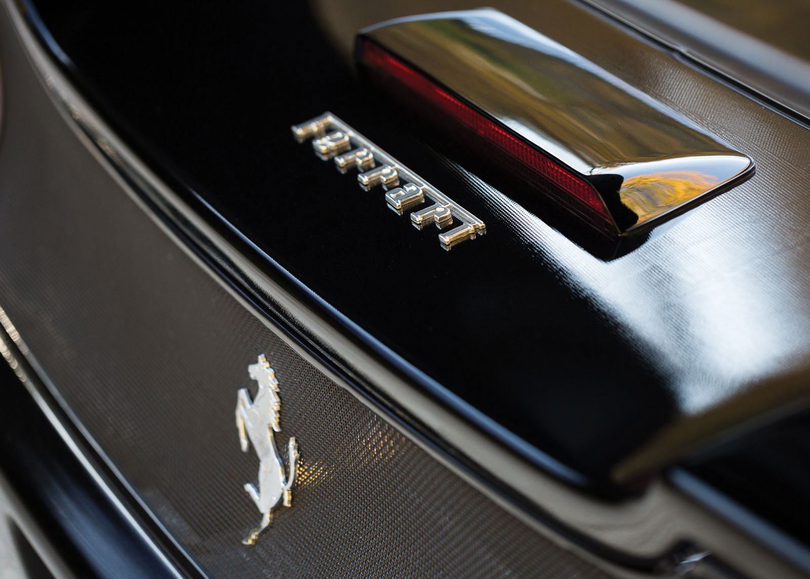 Black Ferrari F50 in auction (18)