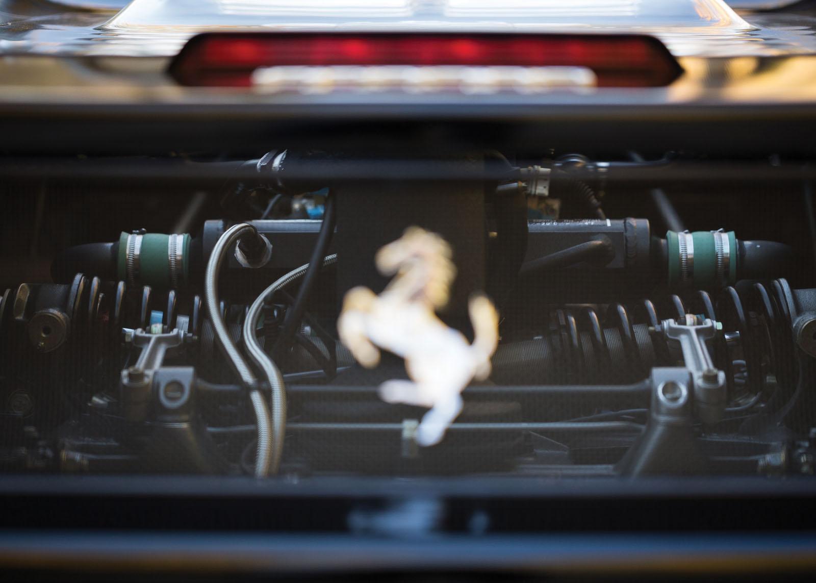 Black Ferrari F50 in auction (19)