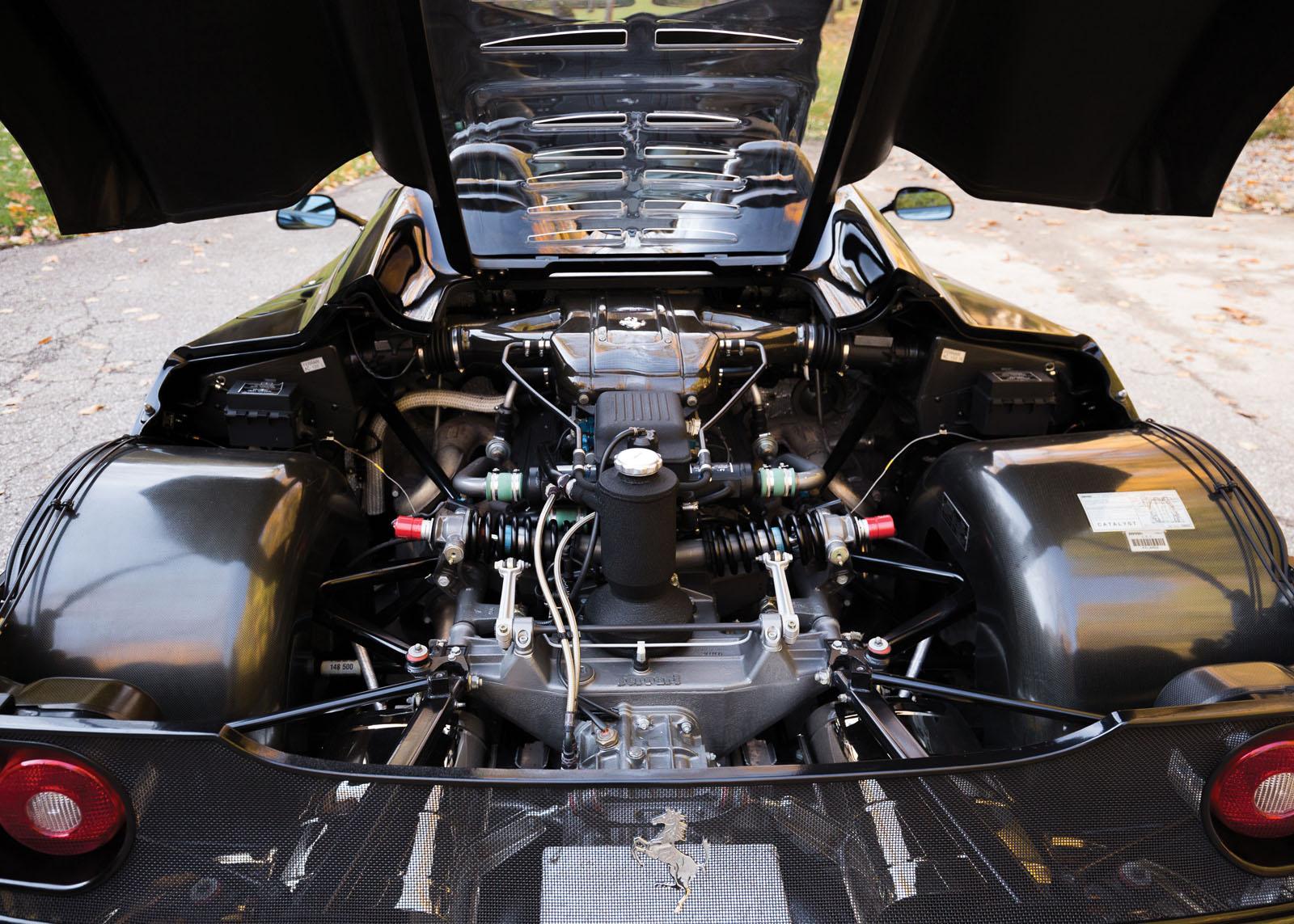 Black Ferrari F50 in auction (31)
