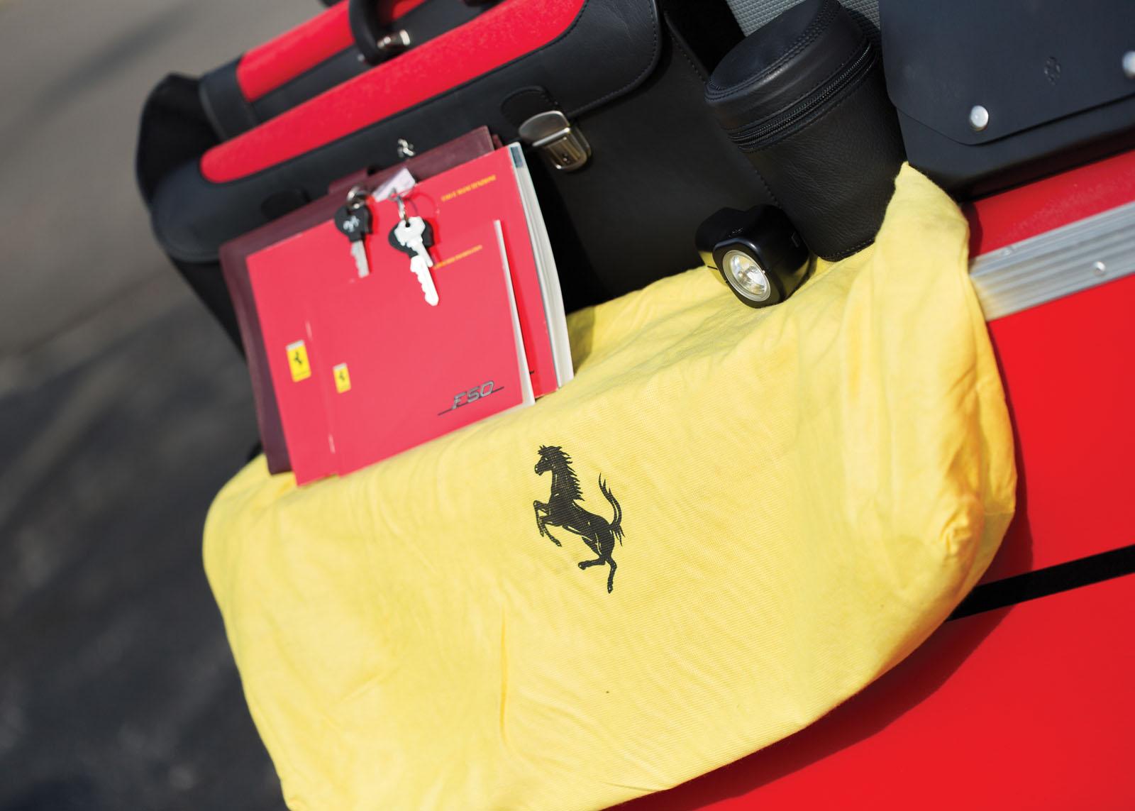 Black Ferrari F50 in auction (33)