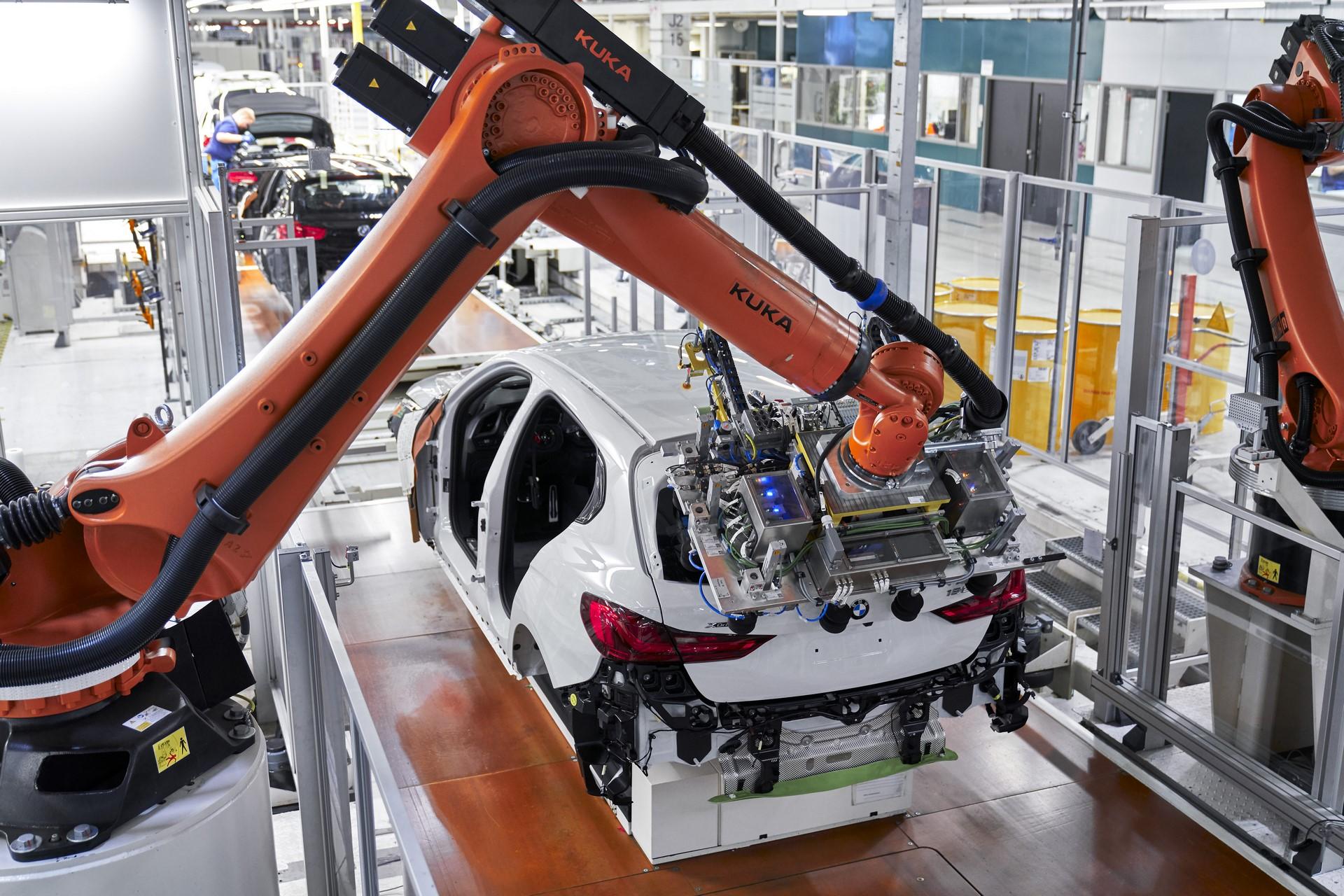 BMW-1-Series-production-plant-starts-12