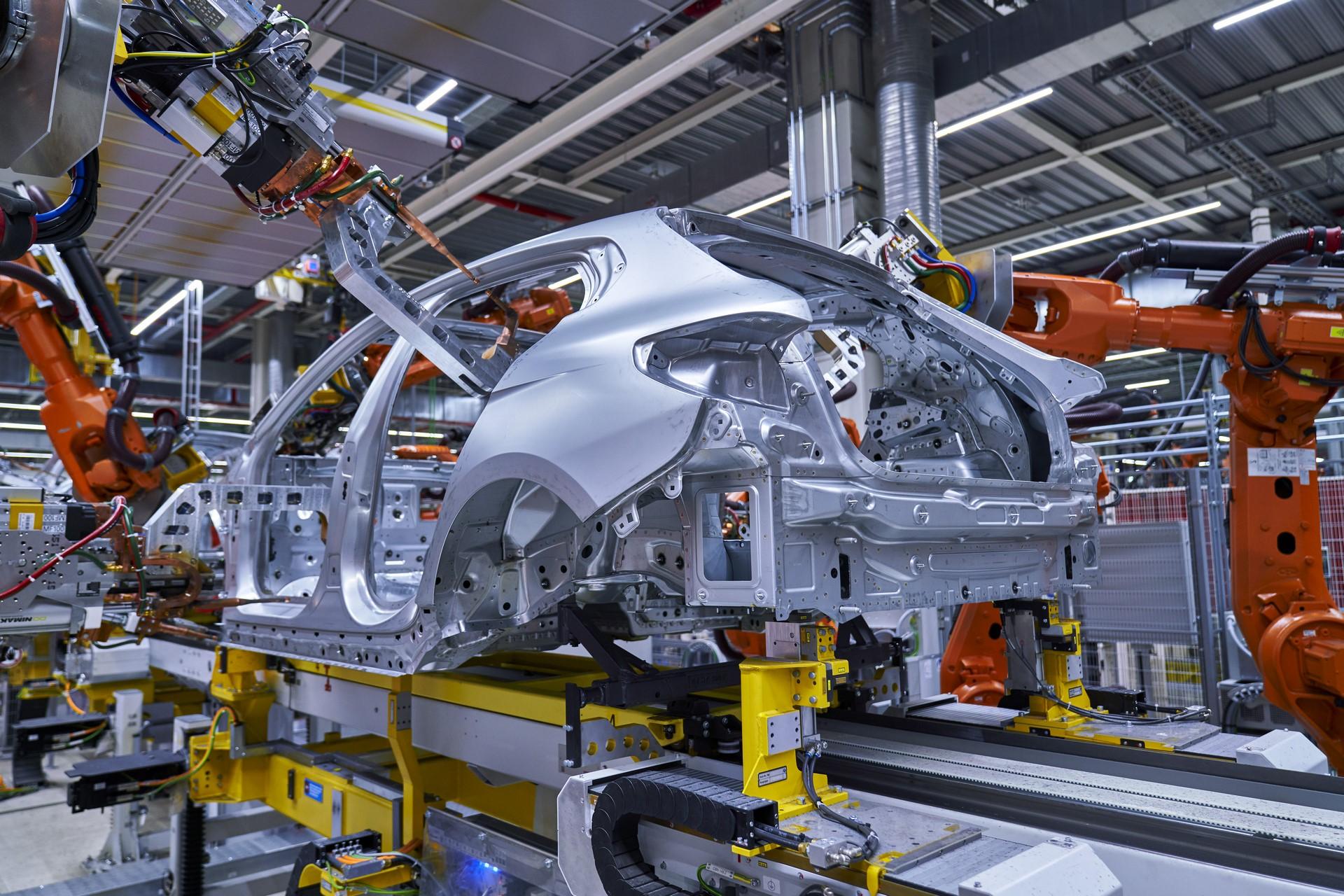 BMW-1-Series-production-plant-starts-14