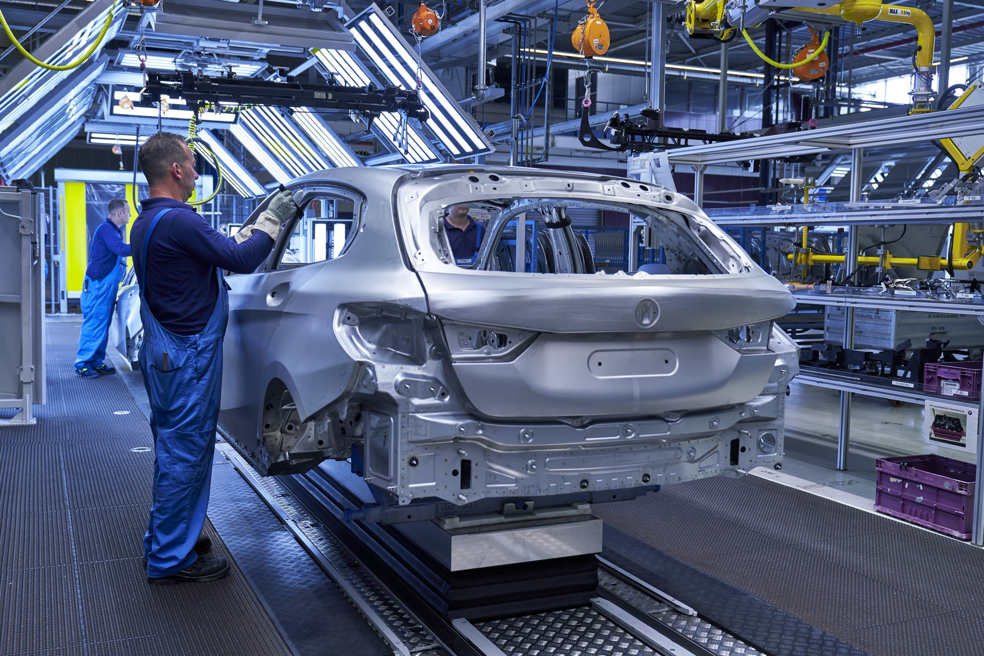 BMW-1-Series-production-plant-starts-2