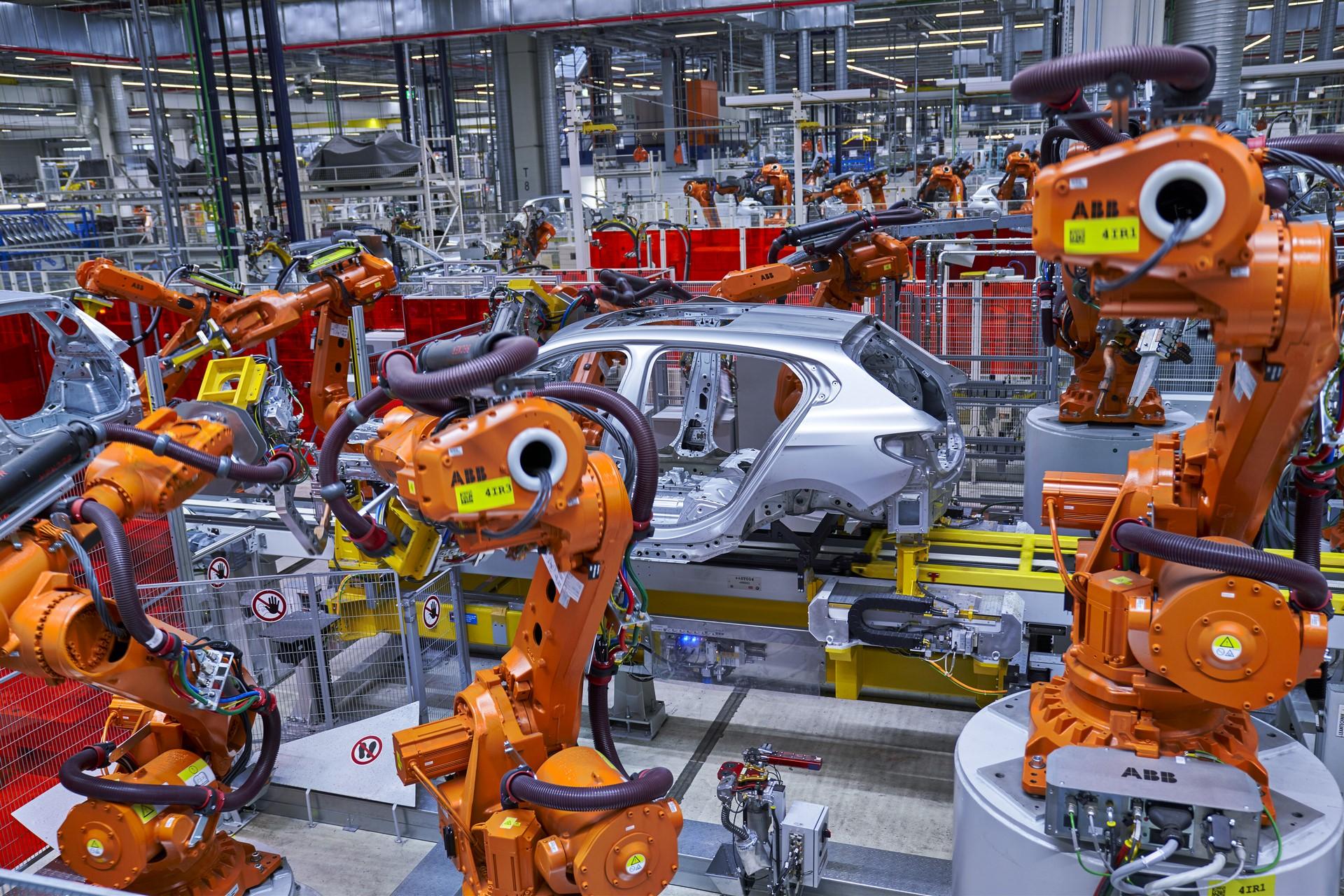 BMW-1-Series-production-plant-starts-4