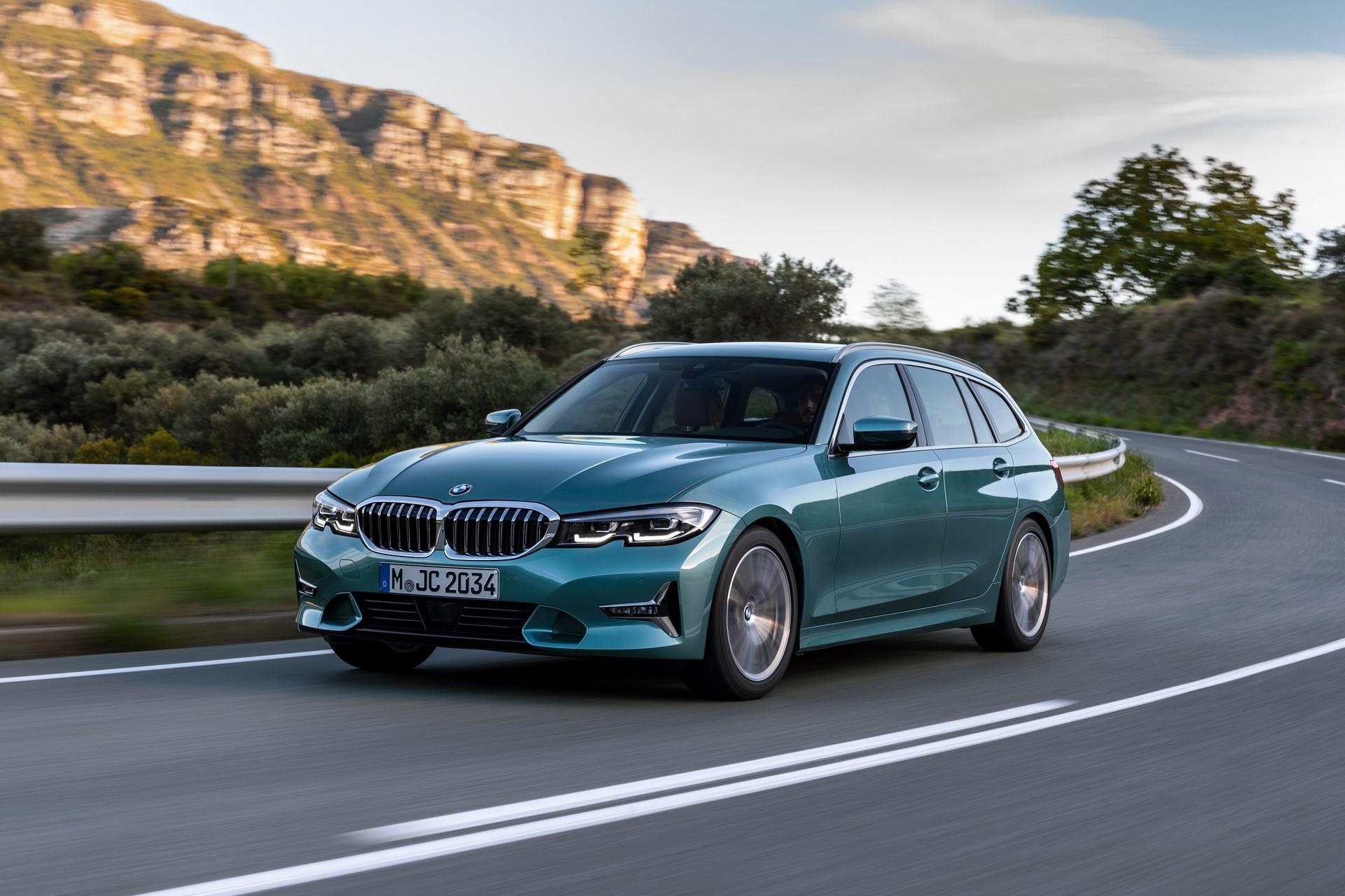 BMW-3-Series-Touring-2019-10