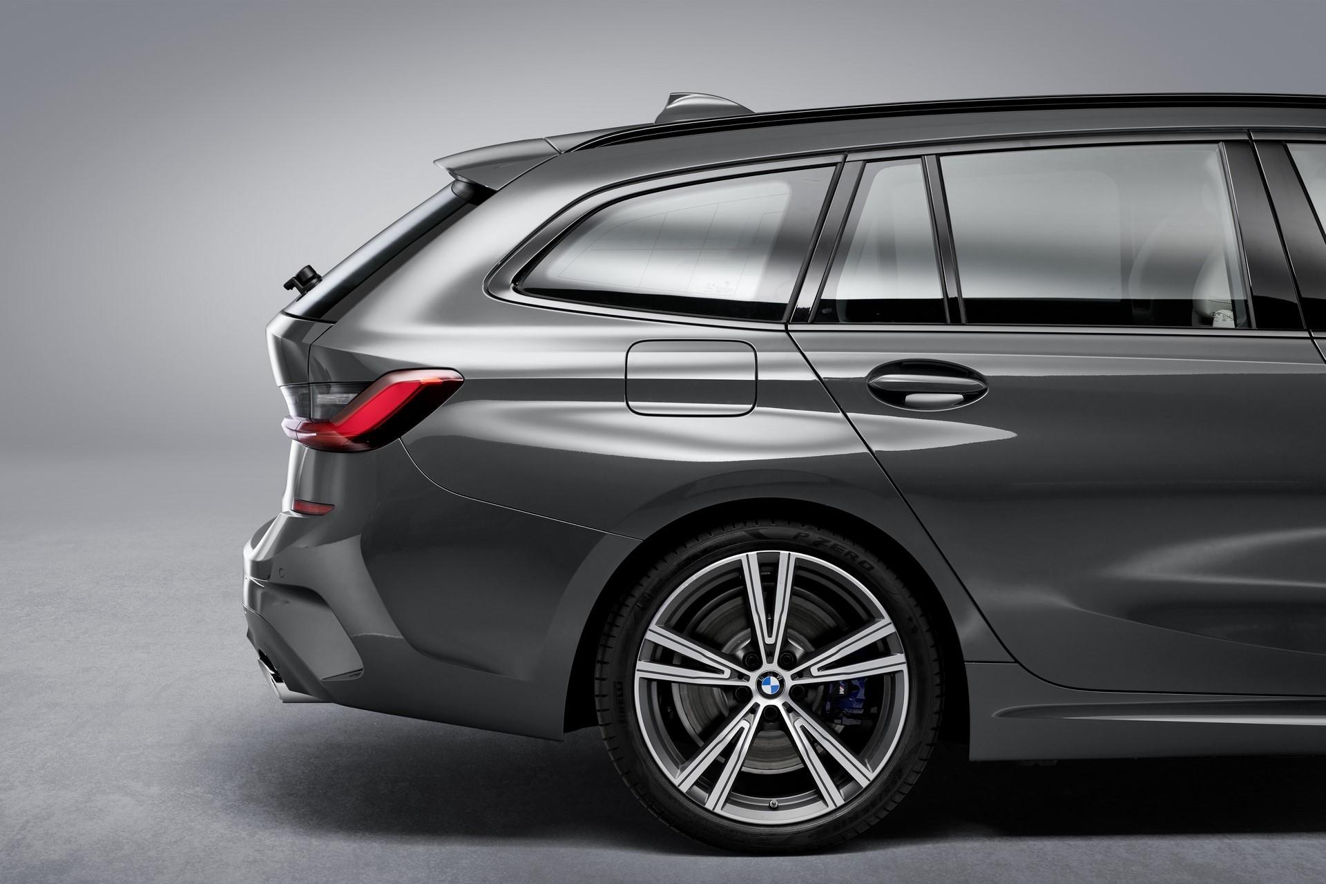 BMW-3-Series-Touring-2019-114