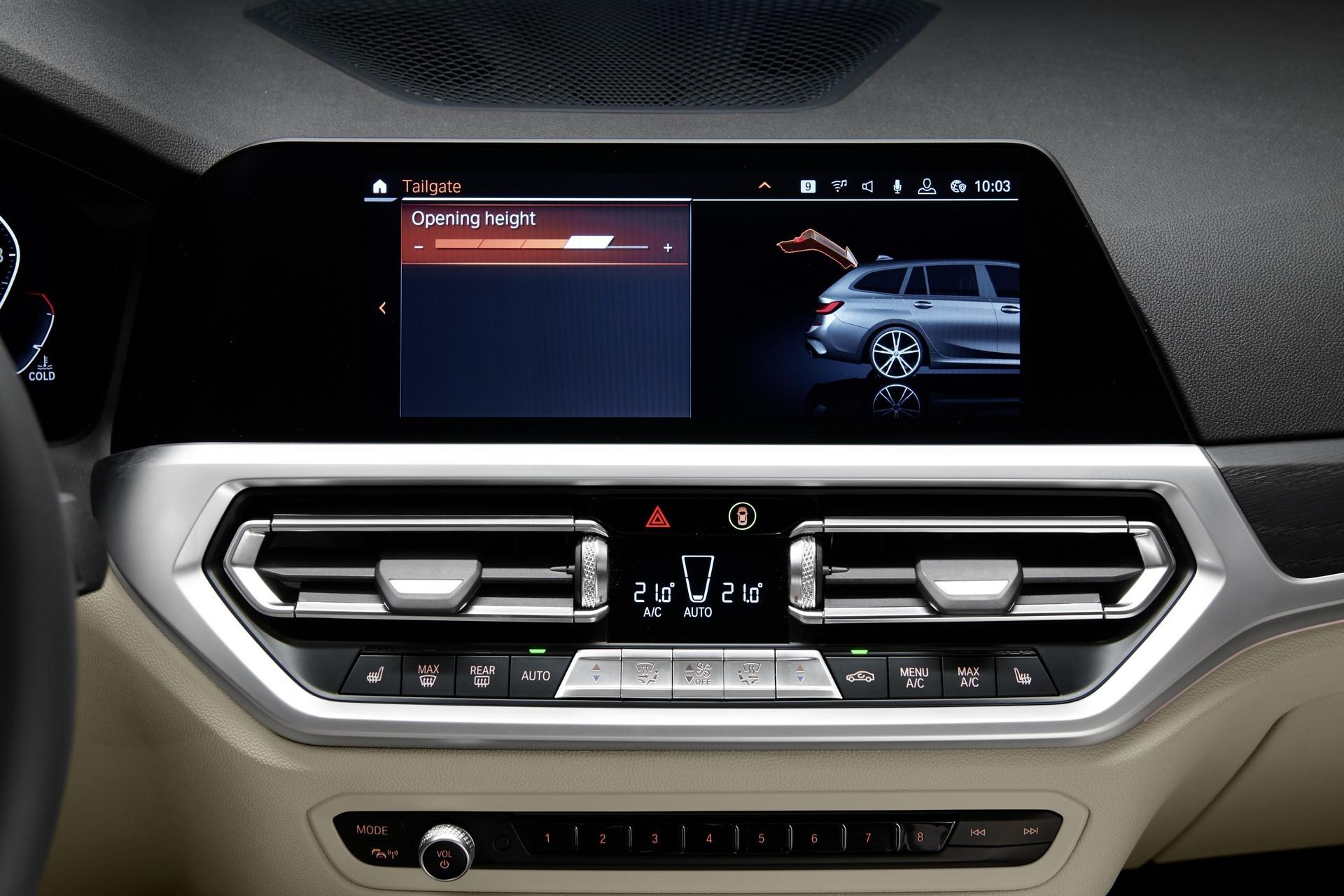 BMW-3-Series-Touring-2019-123