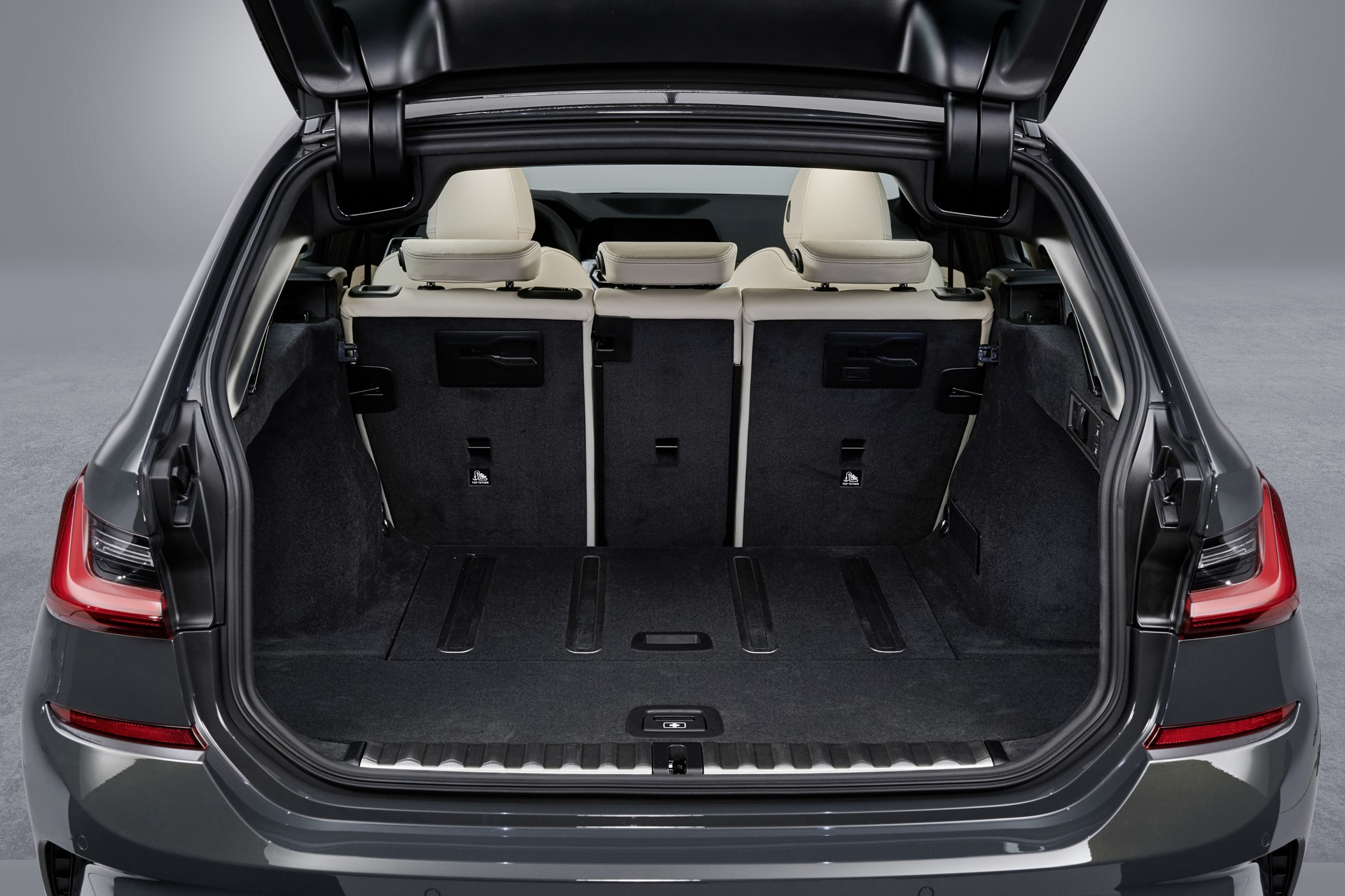 BMW-3-Series-Touring-2019-128