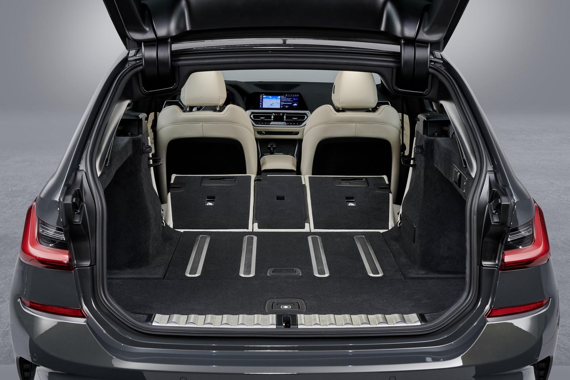 BMW-3-Series-Touring-2019-130