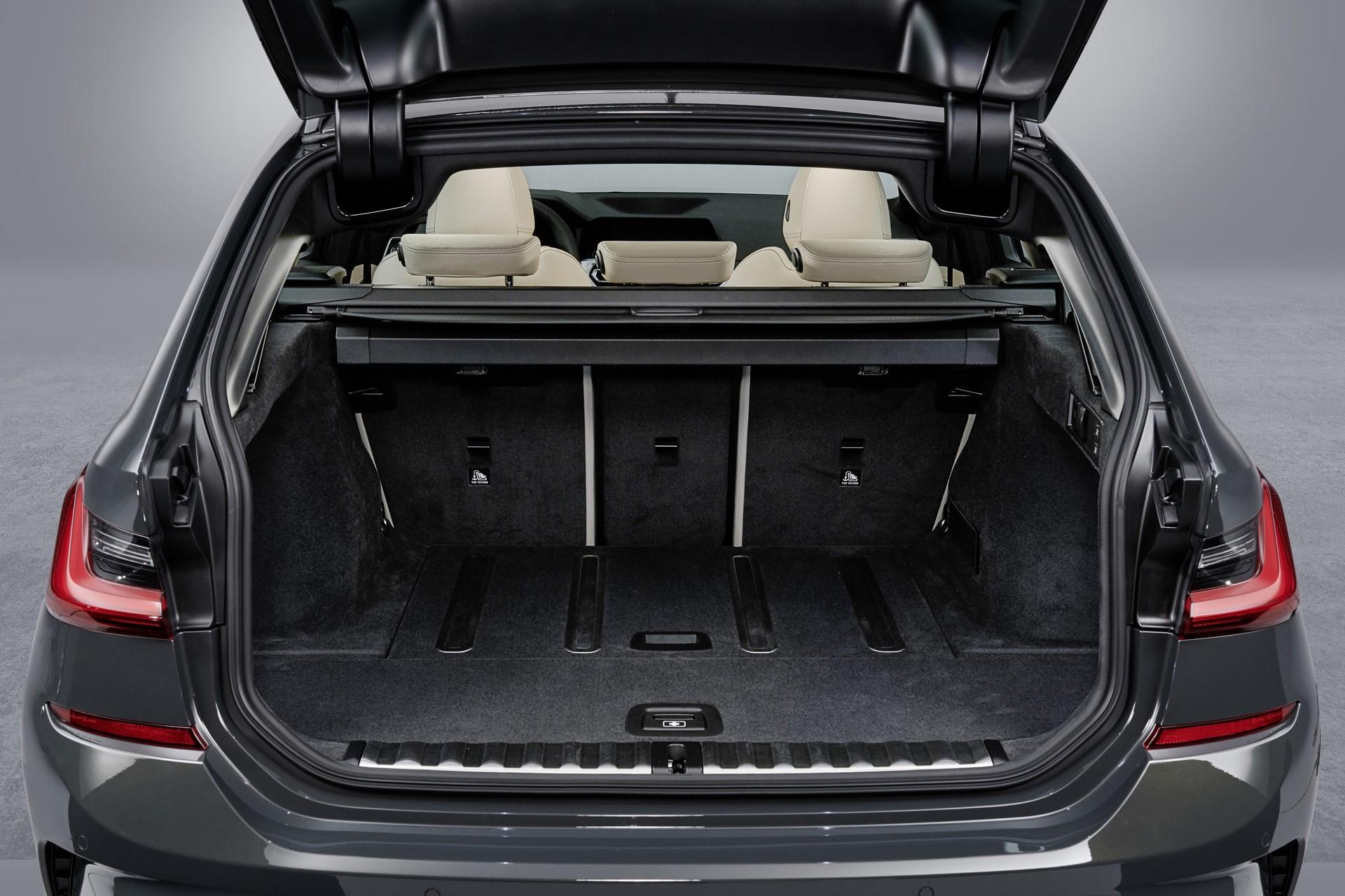 BMW-3-Series-Touring-2019-131