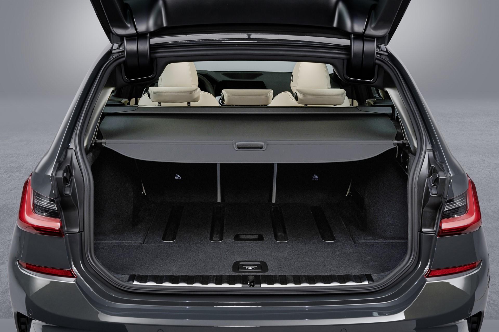 BMW-3-Series-Touring-2019-132