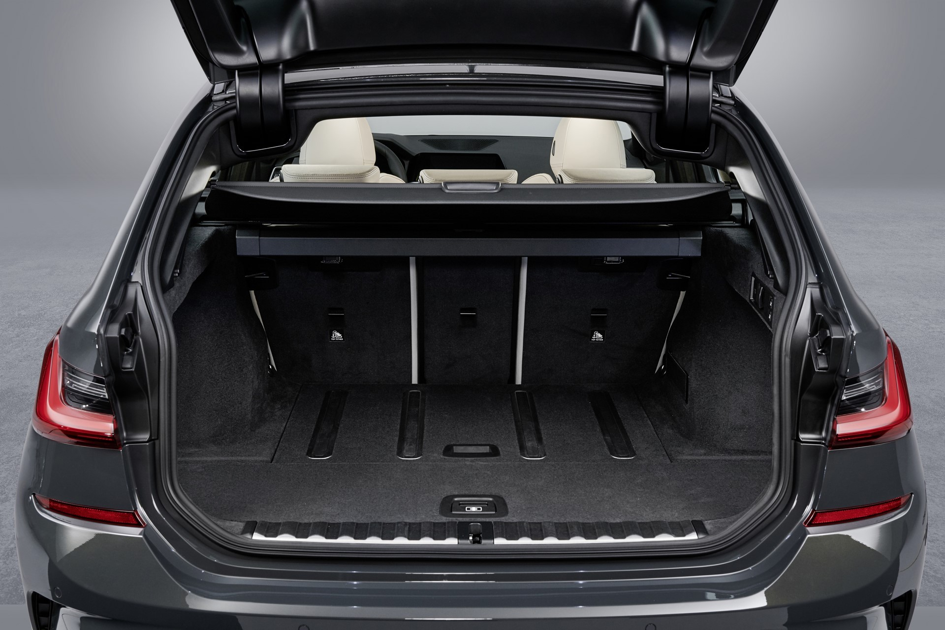 BMW-3-Series-Touring-2019-133